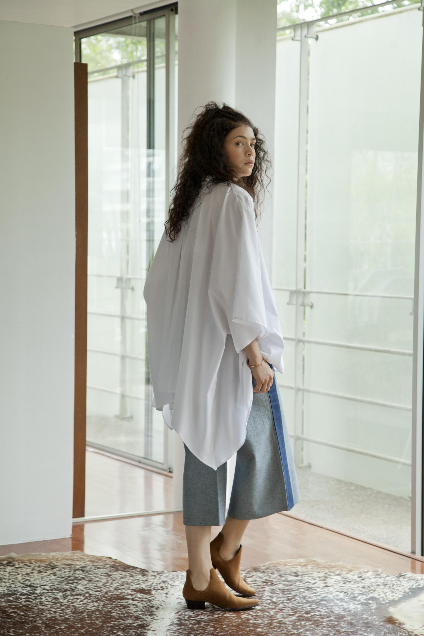 NAOKI BLOUSE- WHITE OVERSIZED SHIRT KIMONO .jpg