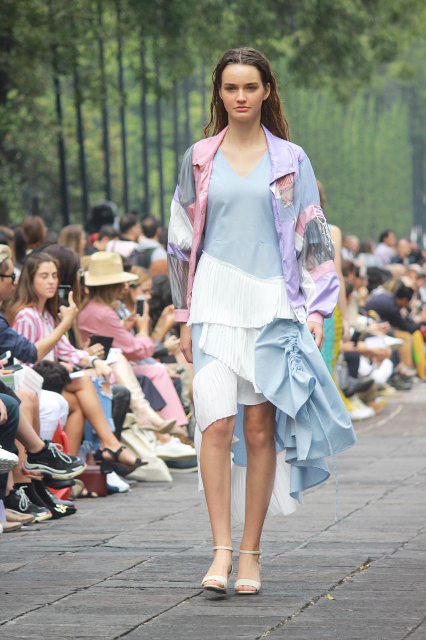 Armando Takeda , Bicolor dress
