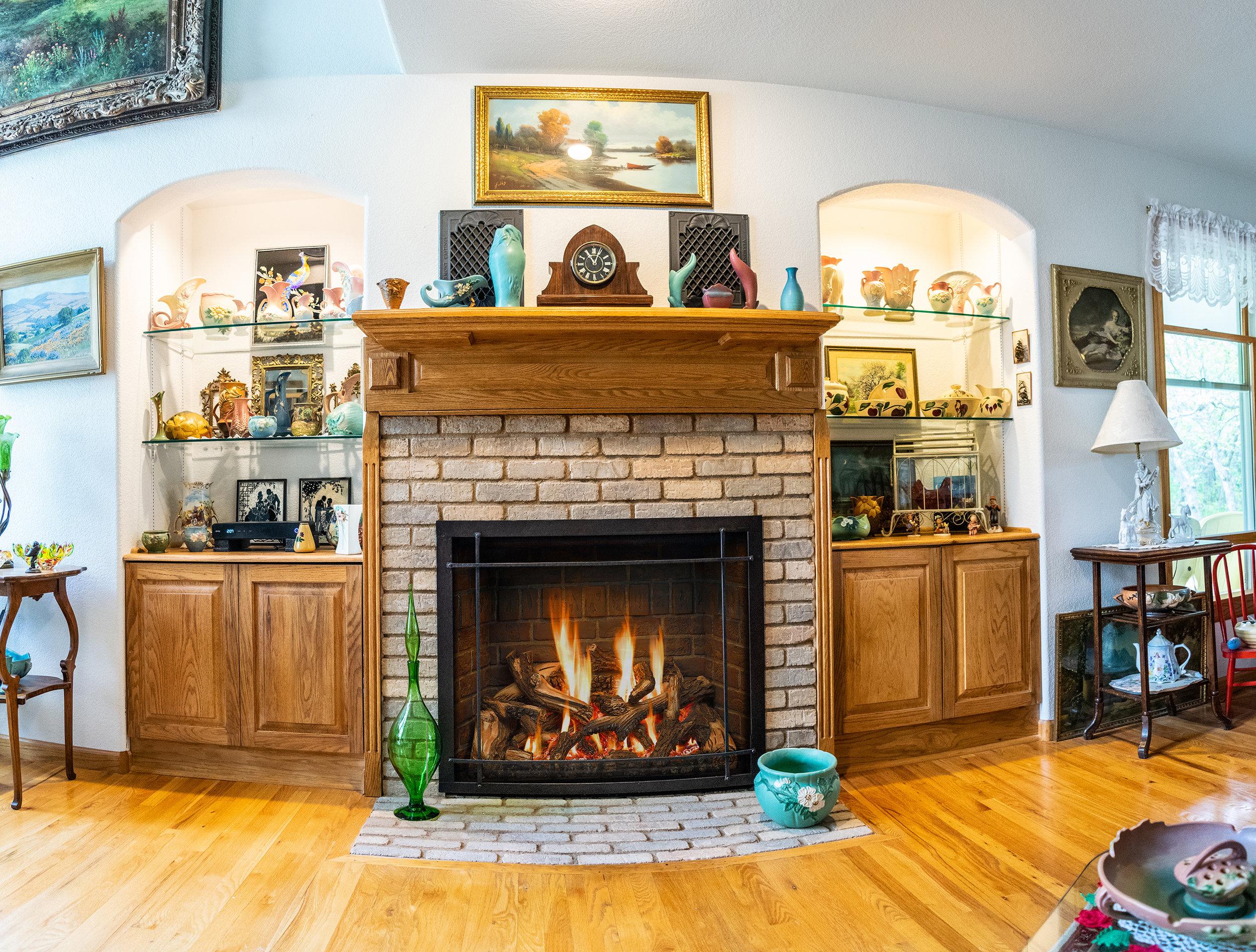 Mendota FV46 Gas Fireplace