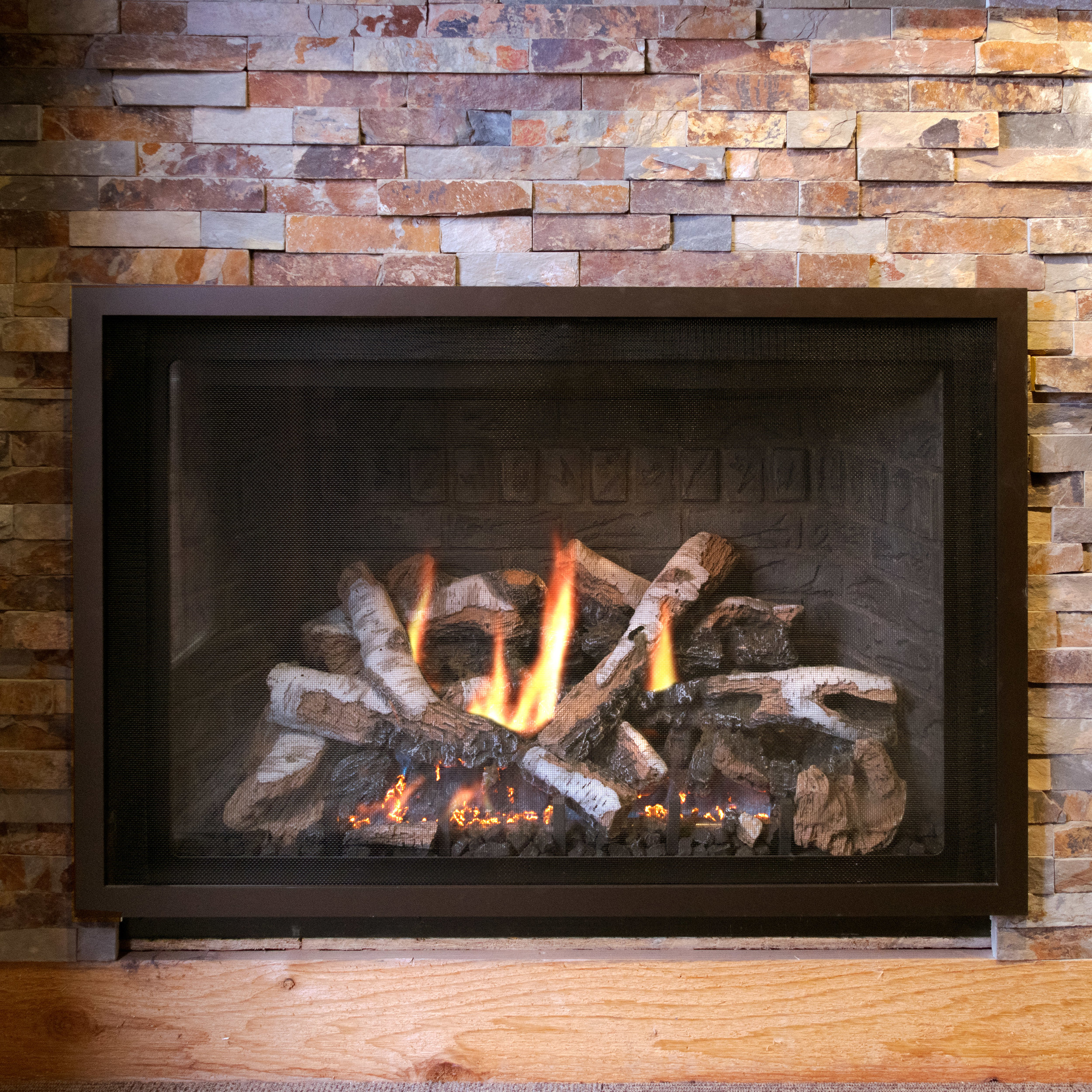 Mendota FV36 - ‧ Direct Vent Gas Fireplace - 40,000 BTU‧ Slate Gray Solider Course Firebox Panels‧ Solo Grace Front – Oil Rubbed Bronze‧ Birch Logs‧ ProFlame2 Full Function Remote Control‧ Fan‧ Superior quality‧ Traditionally oriented Fullview firebox‧ Large selection of Fronts – Colors