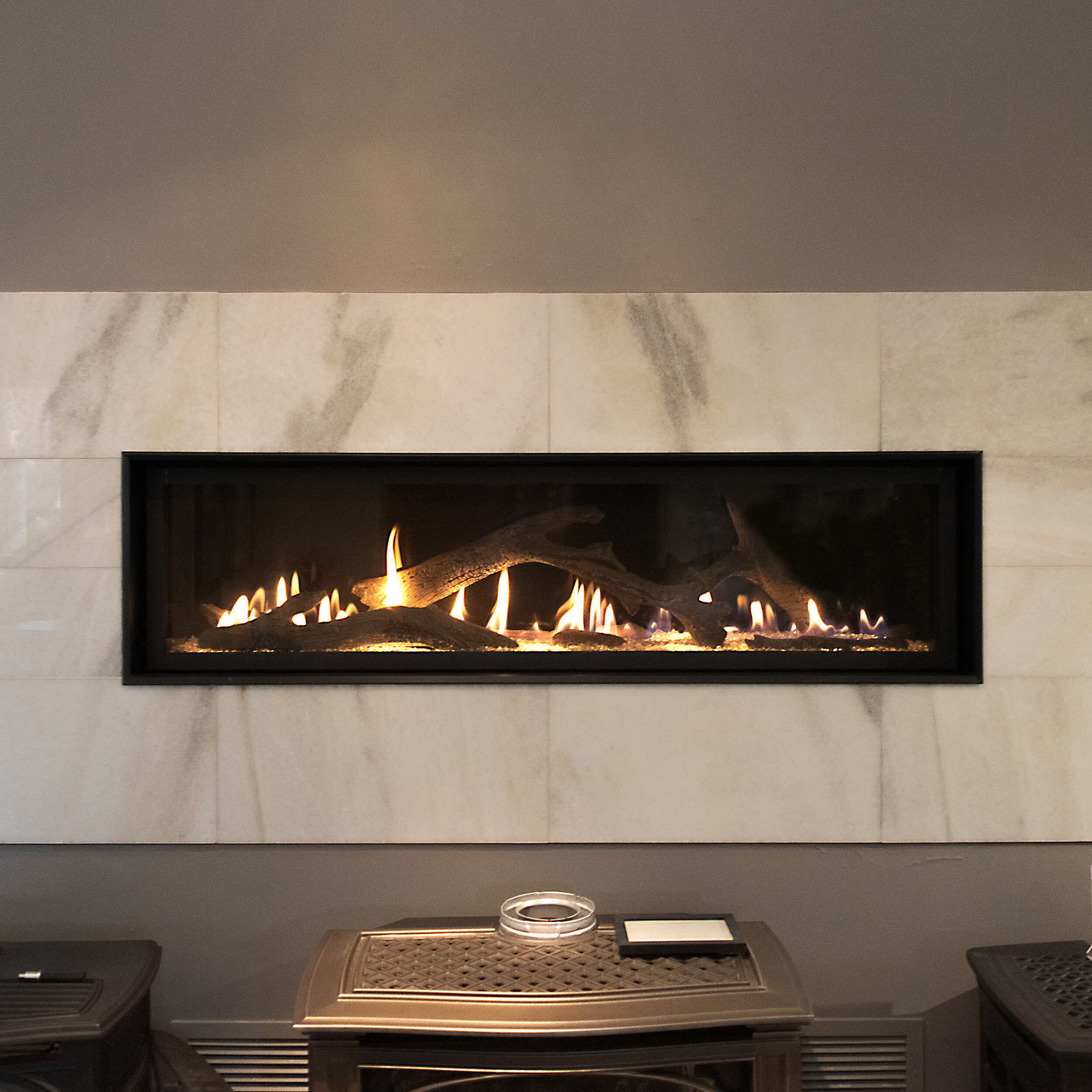 FireplaceX 6015 - ‧ Direct Vent Gas Fireplace - 56,000 BTU‧ Black Porcelain Enamel Fireback panels‧ Tile Trim Kit‧ Driftwood Log Set‧ Green Smart Remote Control‧ Fan‧ High Output home heater‧ Diamond-Fyre Linear Burner‧ Highly reliable