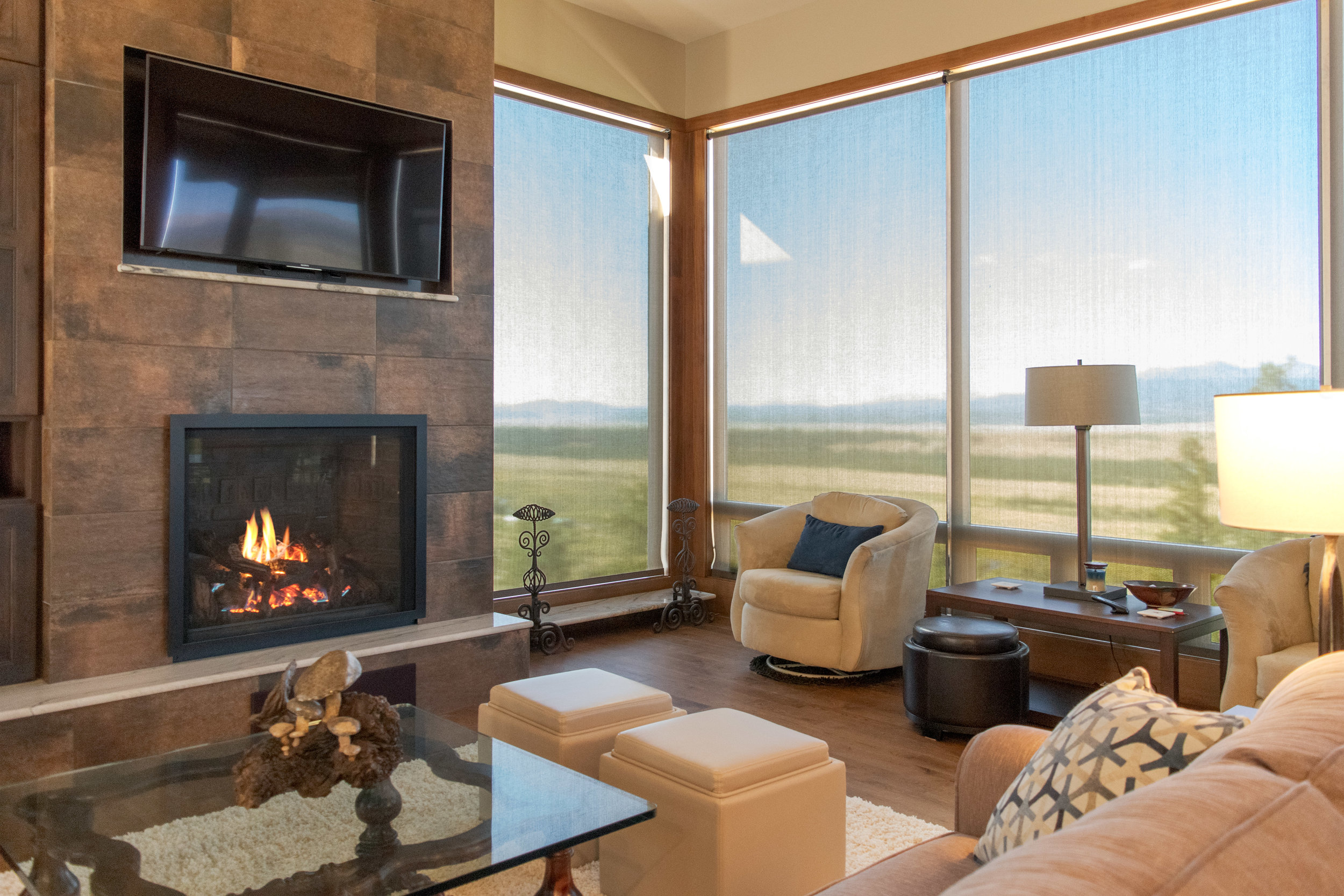 A Mendota FV46 Full View direct vent gas fireplace in a custom-built Fairplay home with contemporary styling.