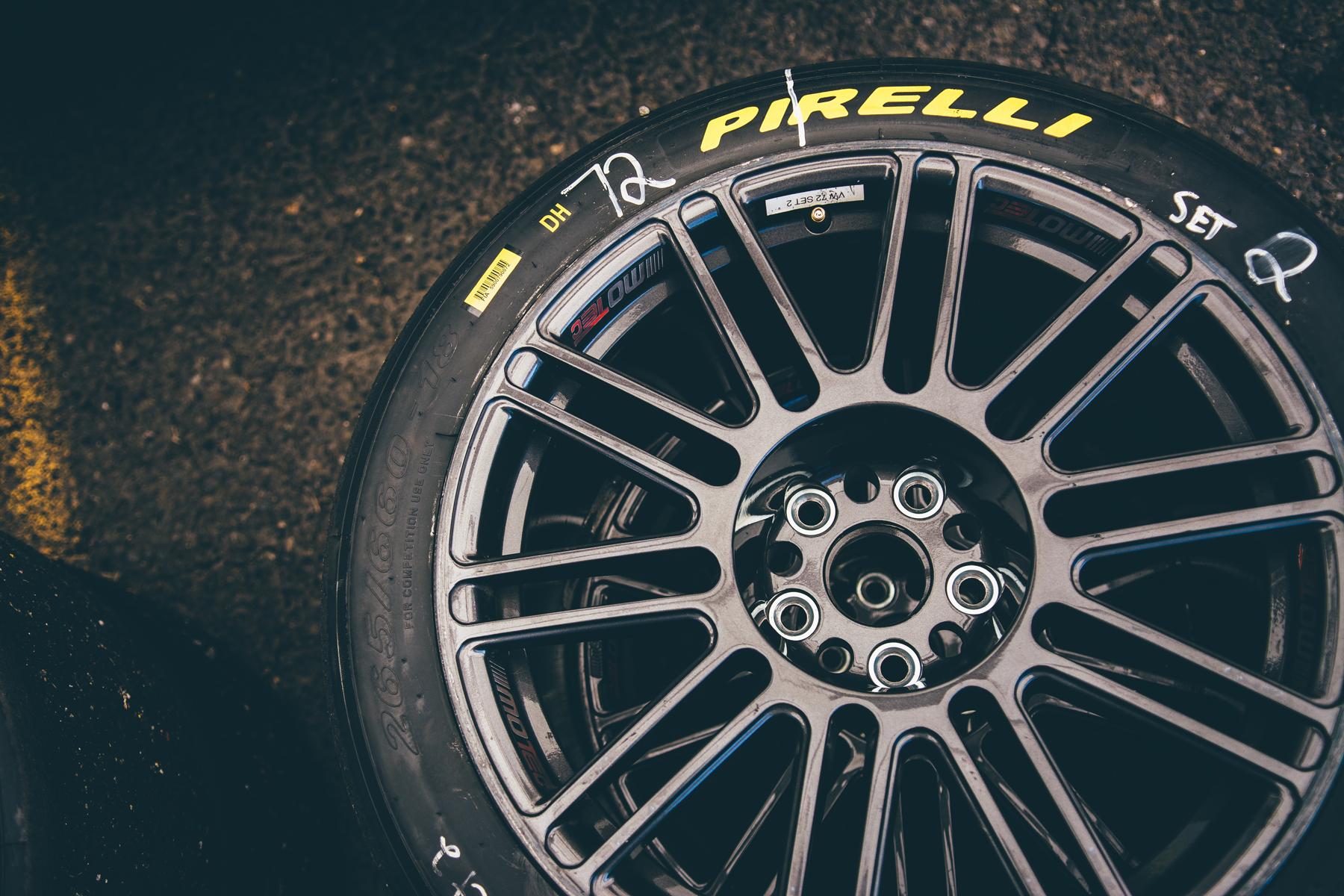 pirelli-world-challenge-pir-fcp-euro-mk7-volkswagen-gti-tcr-07.jpg