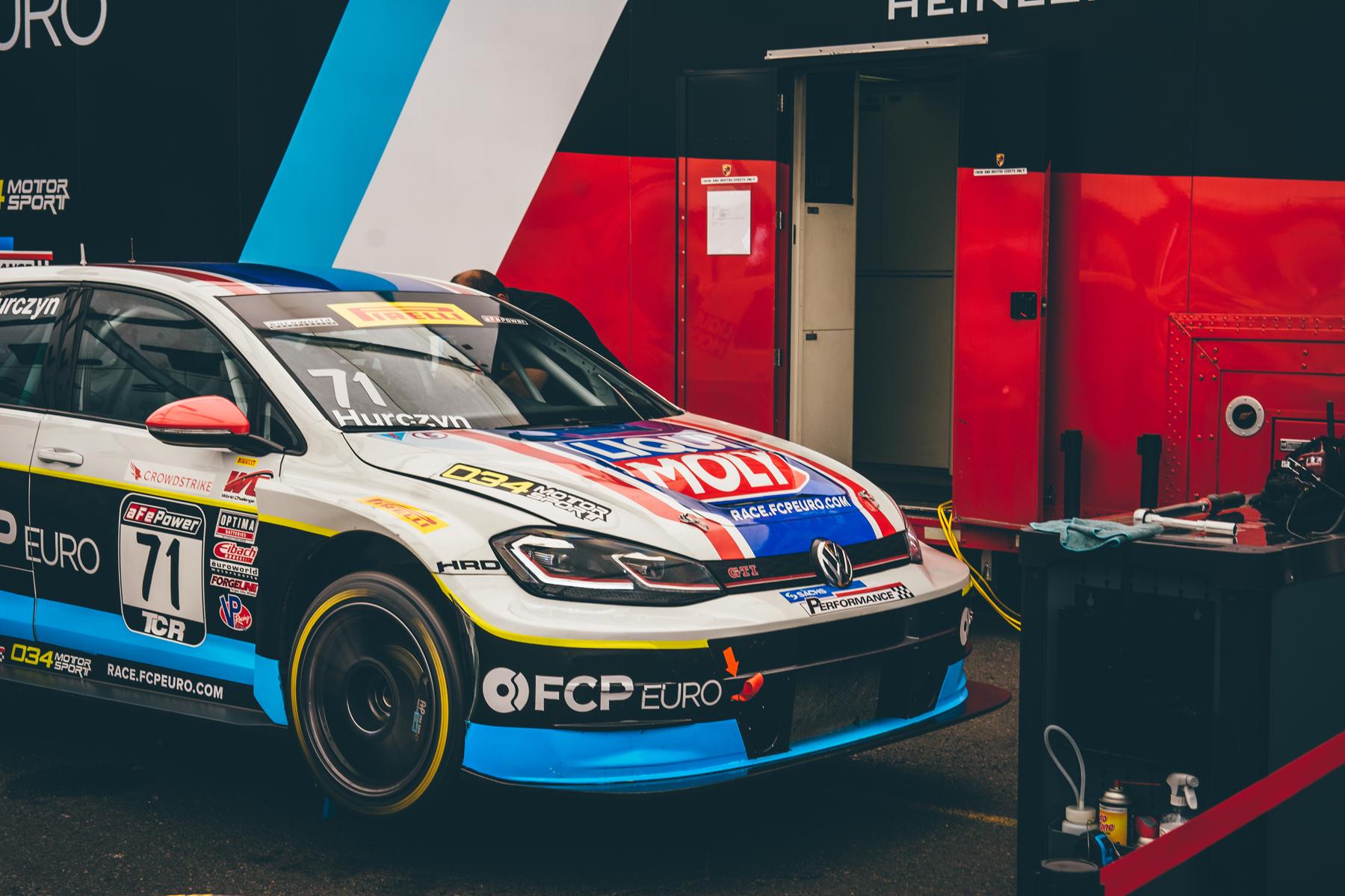 pirelli-world-challenge-pir-fcp-euro-mk7-volkswagen-gti-tcr-12.jpg