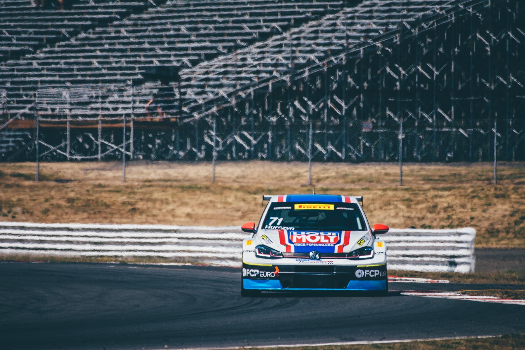 pirelli-world-challenge-pir-fcp-euro-mk7-volkswagen-gti-tcr-17.jpg