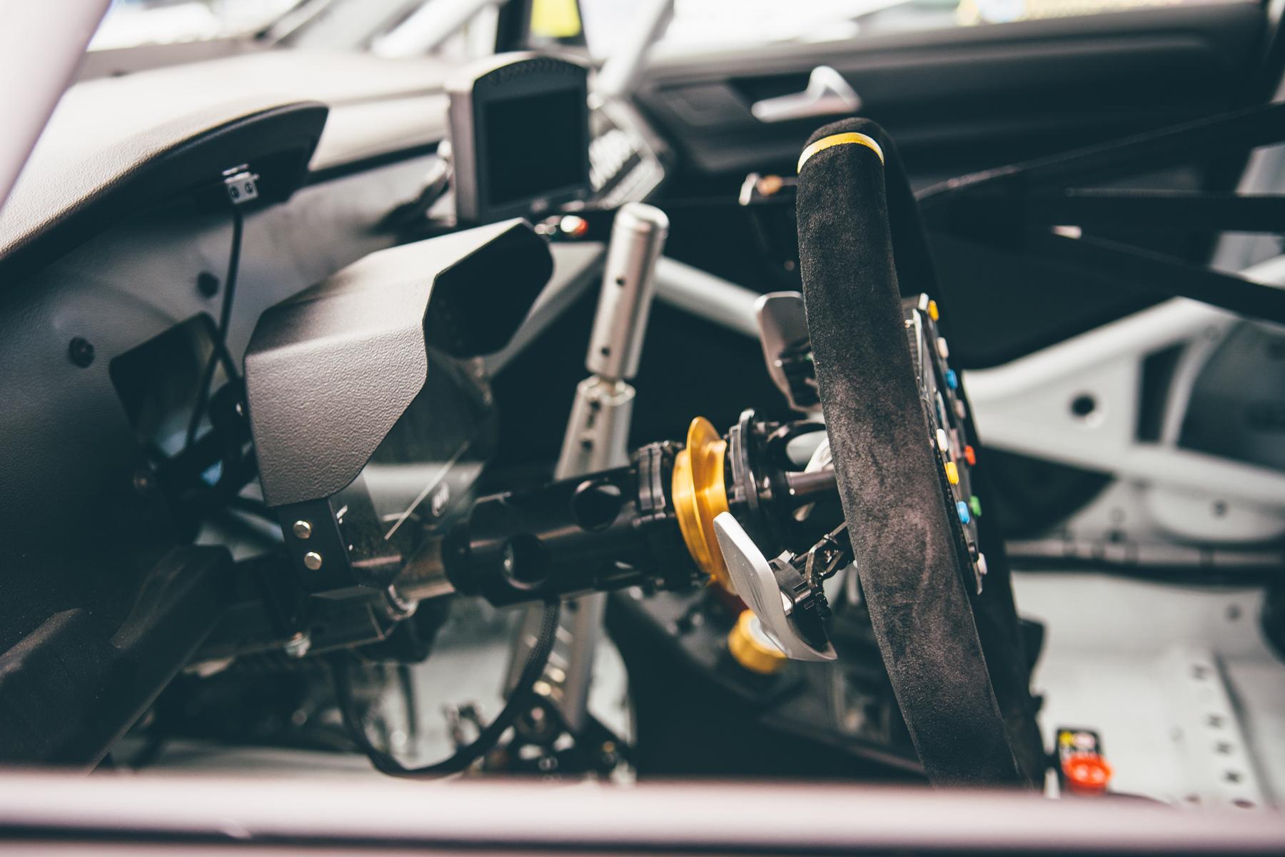 pirelli-world-challenge-pir-fcp-euro-mk7-volkswagen-gti-tcr-06.jpg