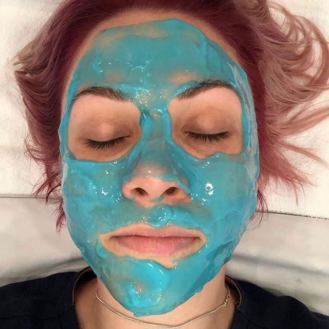 If you go to a restaurant and see the waitstaff eating the food, it's a good sign. If you go to a spa and see an aesthetician using the products, it's a really good sign! The amazing @skinbeautybyaj getting her Glo on with this @drdennisgross mask. #MaskMonday