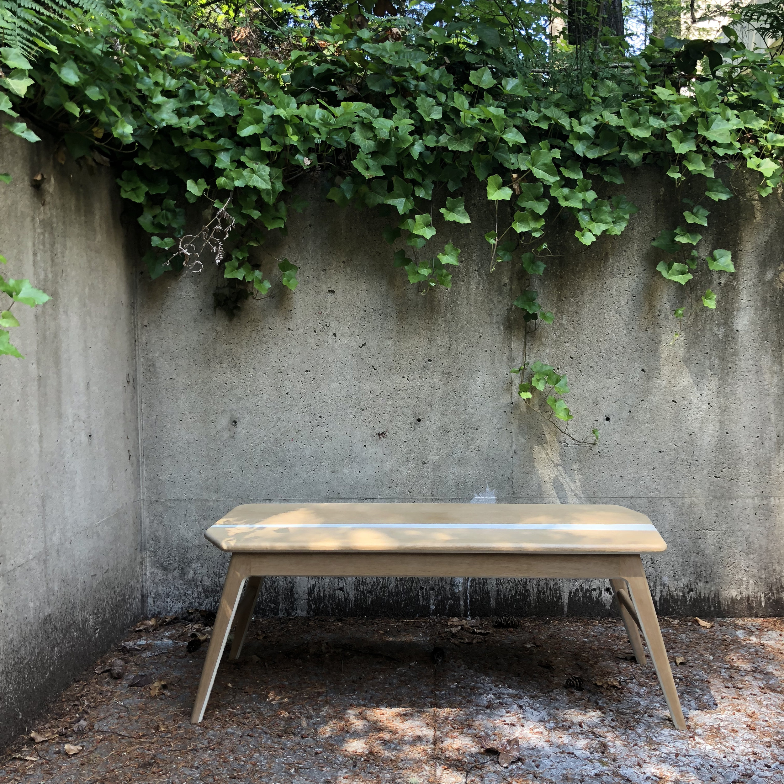 Meander table -