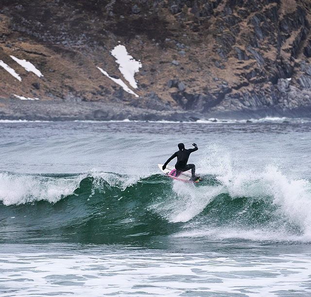 @frostsurfboards // the best surfboards specifically made for Scandinavian conditions 🙌