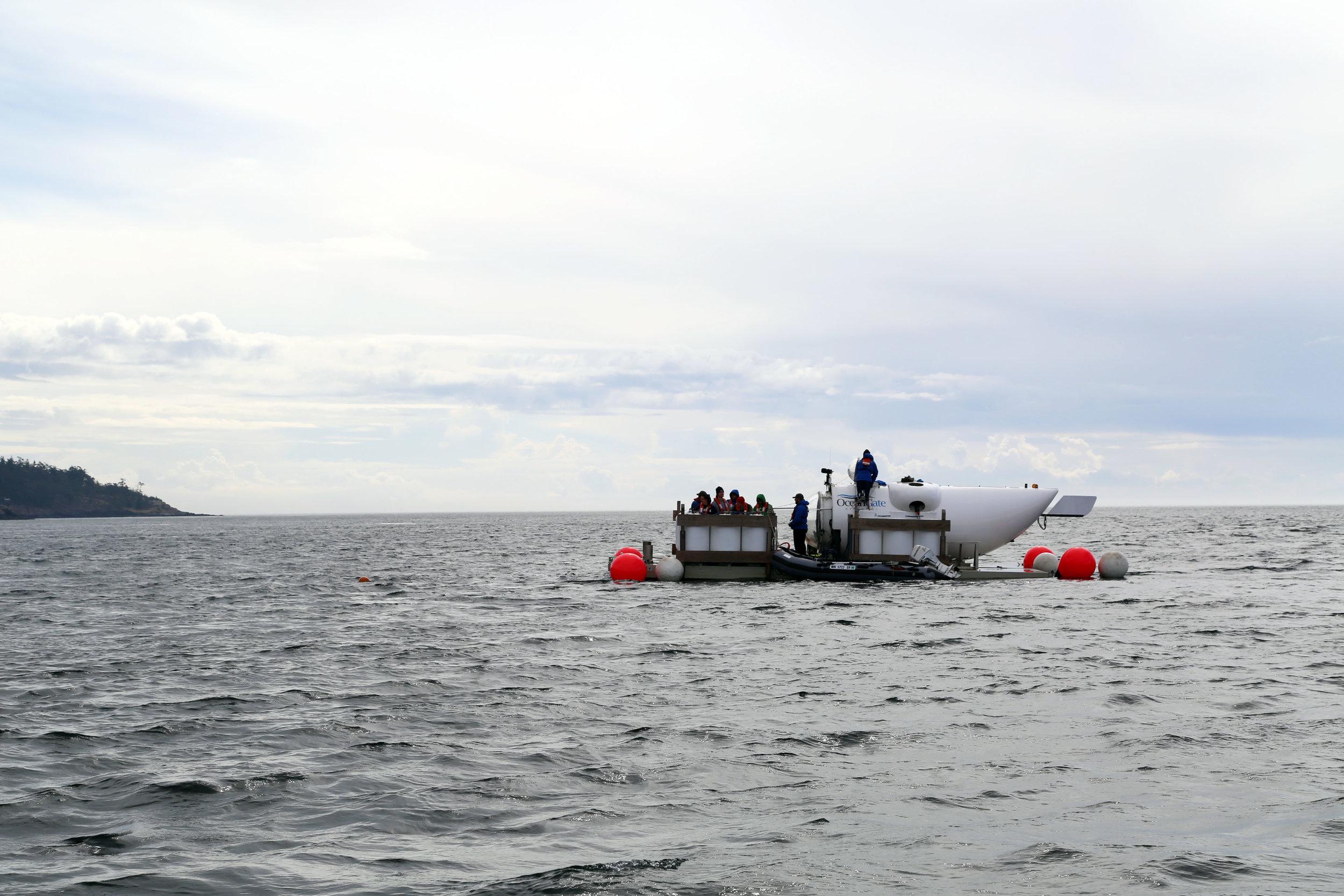 OceanGate-Dive-Team-on-Platform.JPG