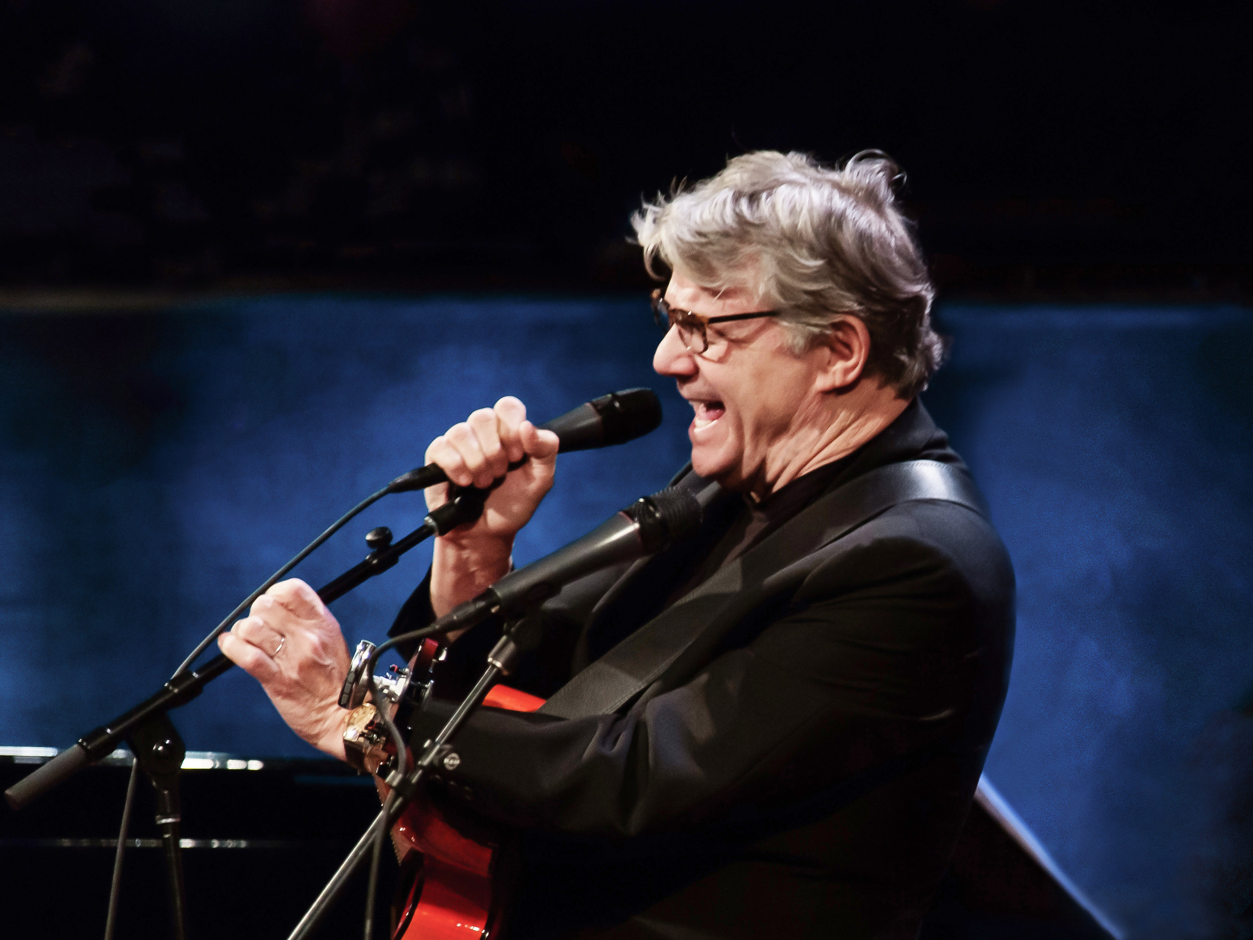 Steve Miller. Photo by Lawrence Sumulong.
