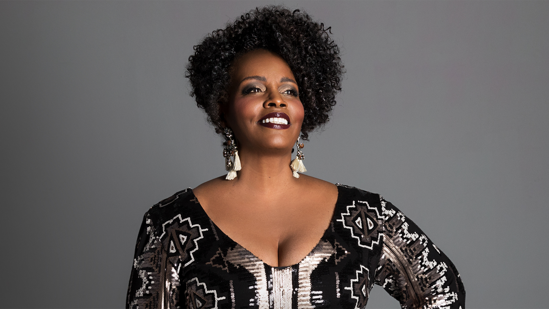 Dianne Reeves. Photo by Piper Ferguson.