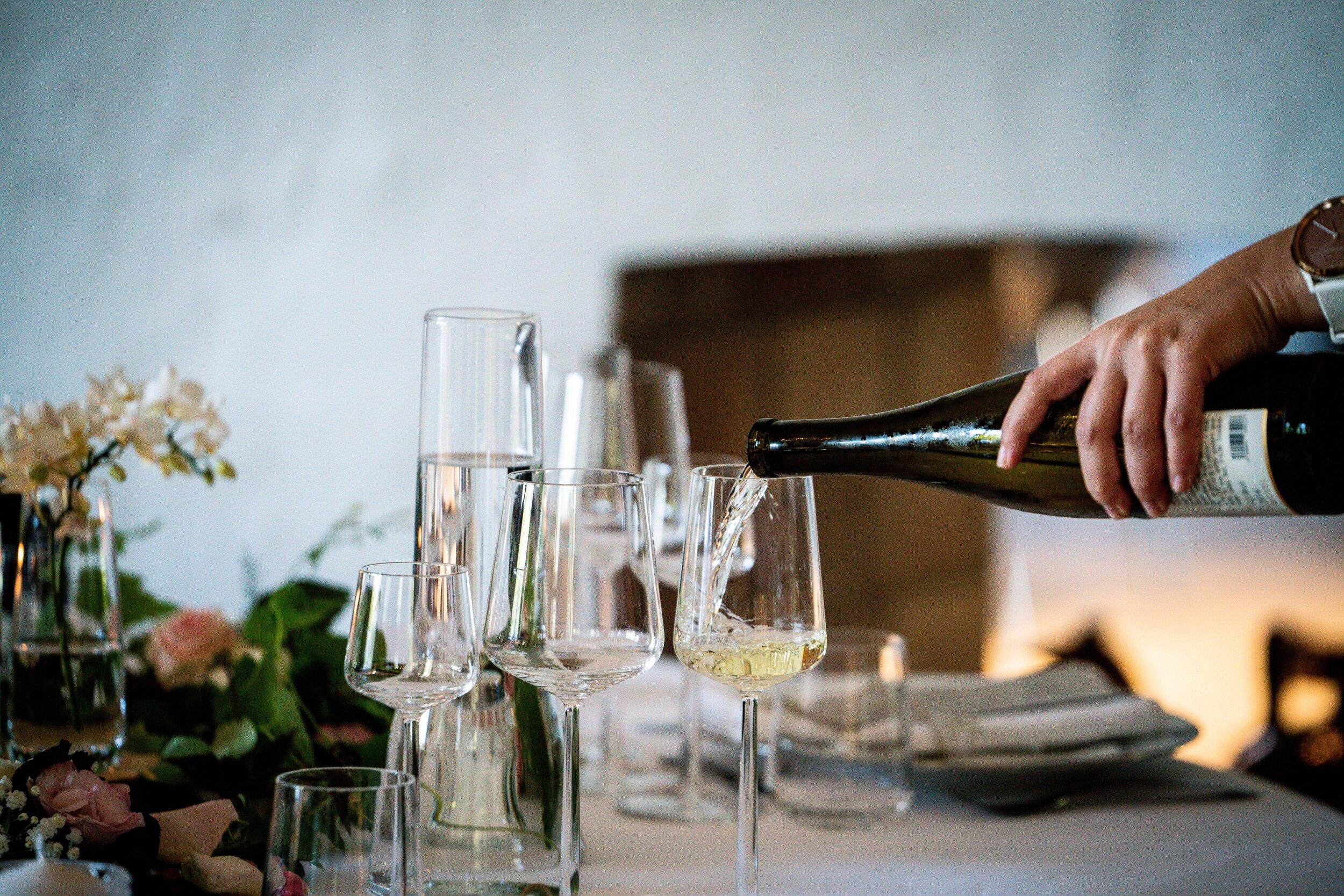 alcohol-alcoholic-beverage-beverage-2995283.jpg
