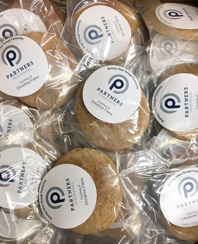 And you thought we were only good for t-shirts and promotional stuff...PSSSHH! Fresh cookies comin' atcha from your friendly neighborhood (better than your average) promo peeps!  @partnerspersonnel #cookies #yum #comotion #yeswecan