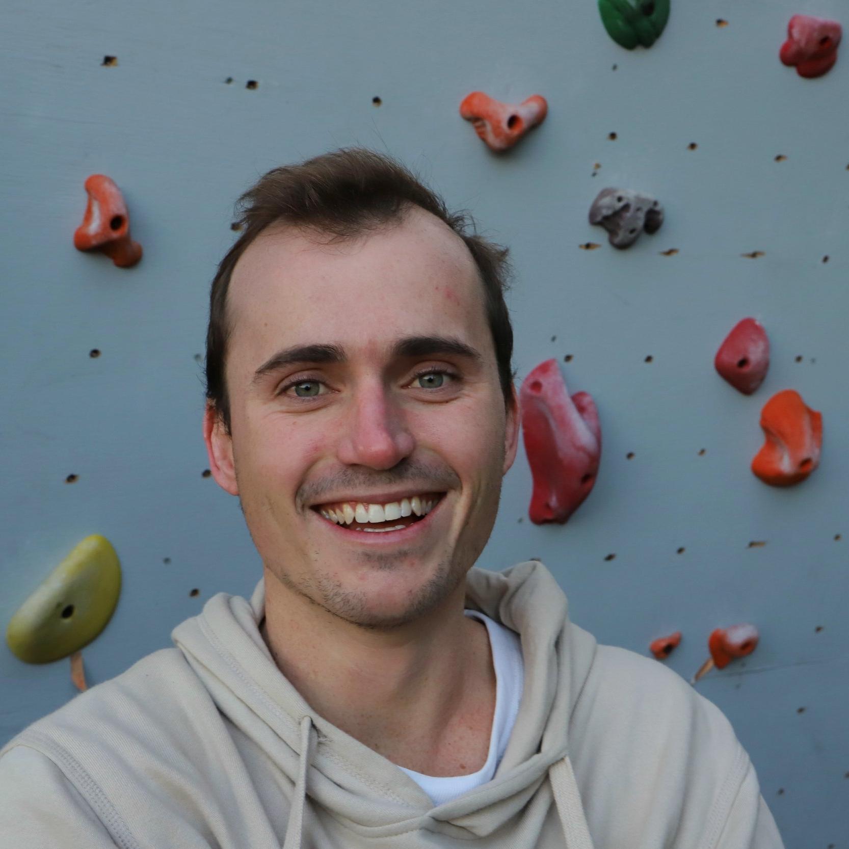 Nick Gilmore - nickgilmore@twinclimbs.com0422 999 280