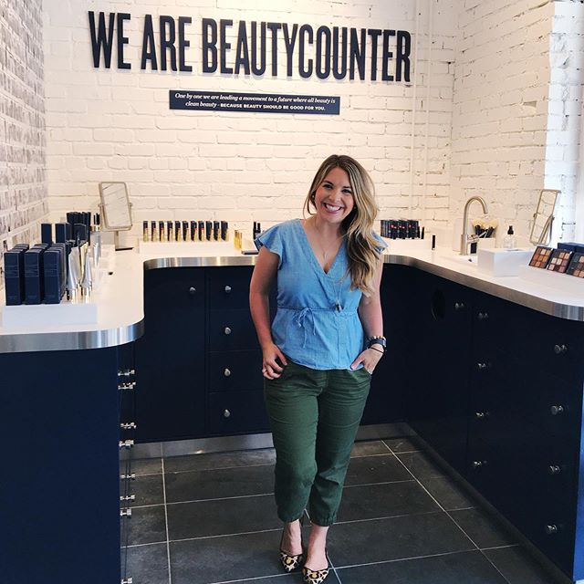 💄Stopped by the beautiful @beautycounter pop-up shop in Denver! If you live out here, you should definitely check it out! #beautycounter #cleanbeauty #saferbeauty #betterbeauty