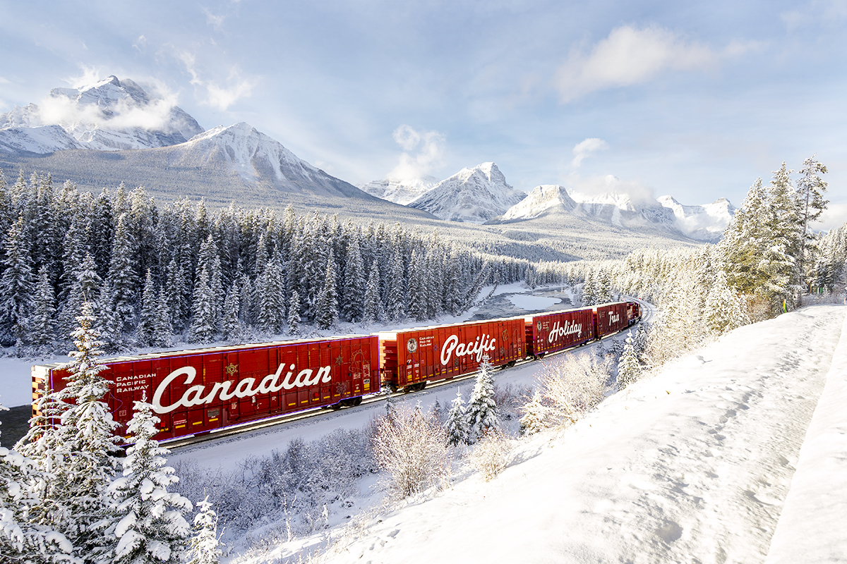Timing & Planning - Using apps and schedules to capture the Canadian Pacific Holiday Train pass through Morants Curve!