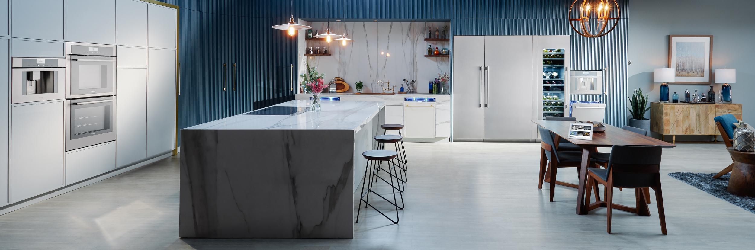 Thermador-master-36-inch-Fridge-T36IR900SP-blue-kitchen-vignette-2-master.jpg