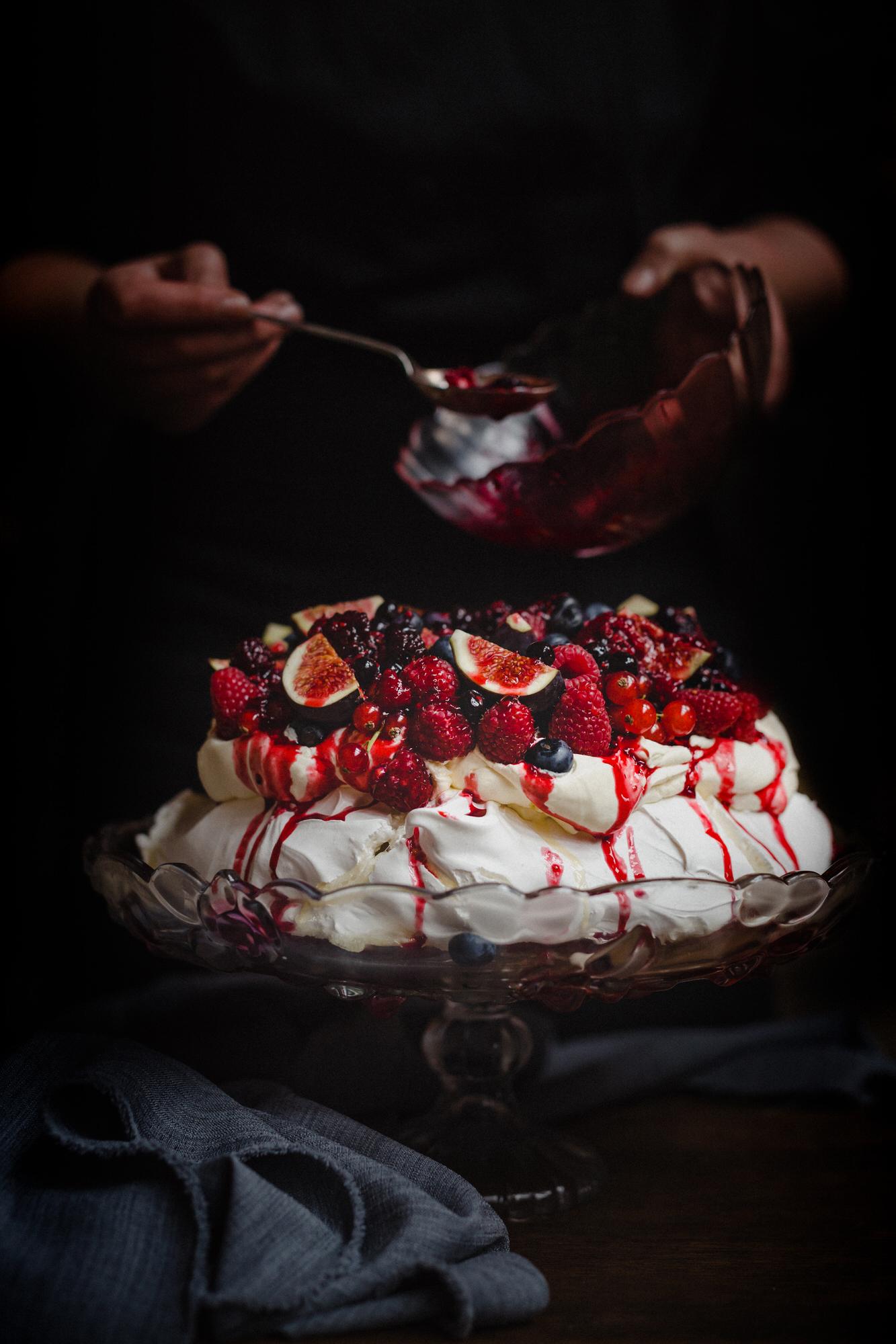 meringue-raspberry-blueberry-fruit-glasgow-catering-reagan-hallett.jpg