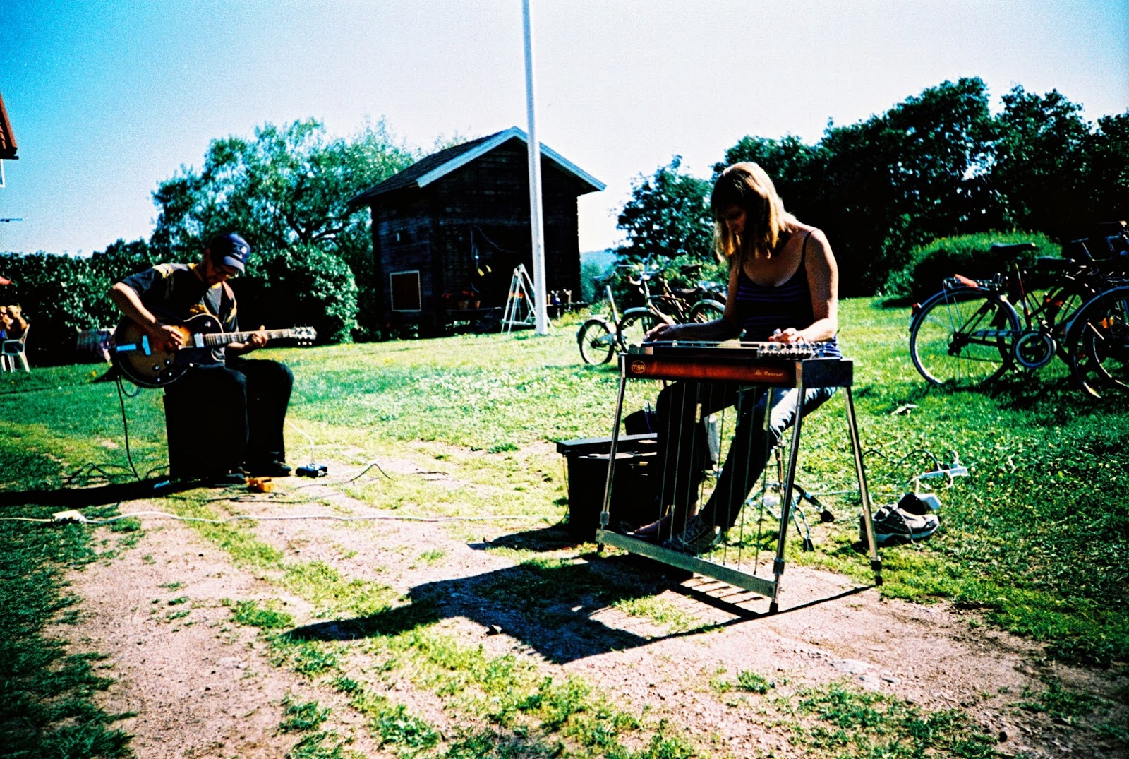 Blake-Plock and Susan Alcorn. Dala-Floda, Sweden. Hagenfesten 2006.