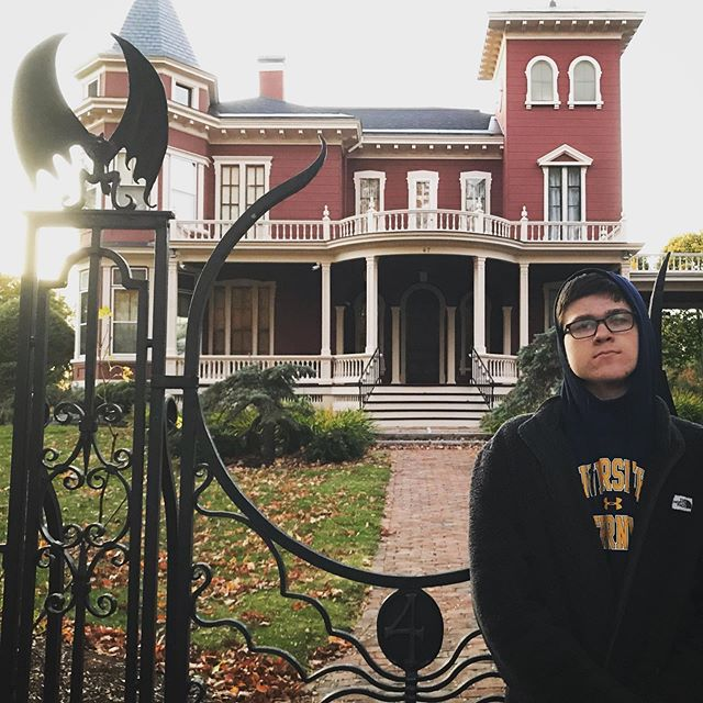 """""""Hey, Dad... You think we could find Stephen King's house?"""""""