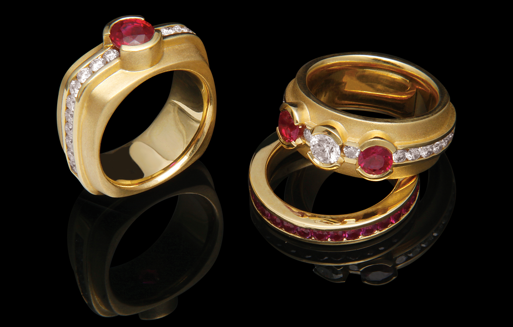 FRIDA | Fine Jewellery. Elska Collection. Diamonds and Rubies. Round and Rounded-Square.