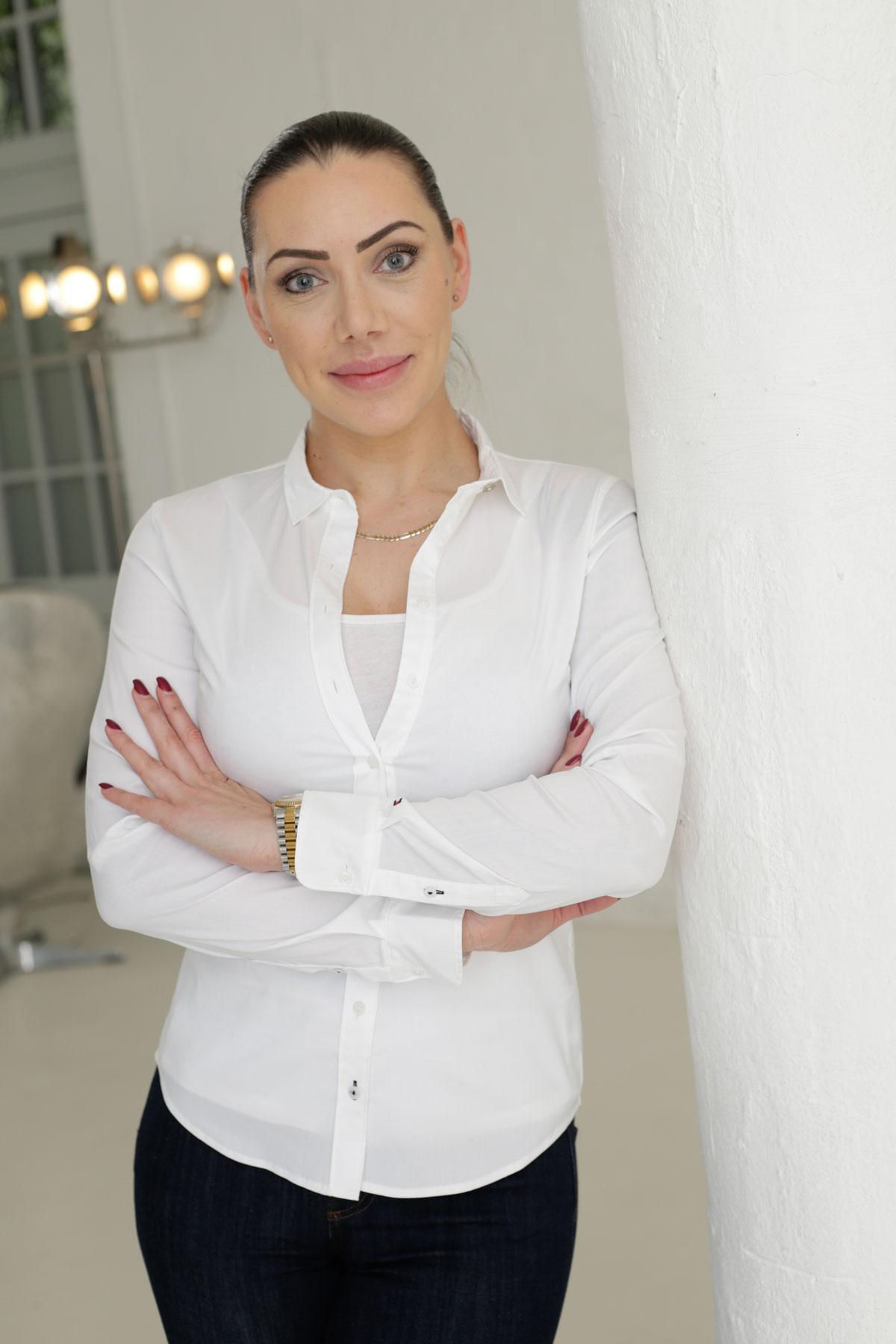 Lisa Kniemeyer  Inhaberin M: 0176 52460949