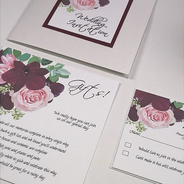 Burgundy Flowers! #burgundy #autumnal #invites #invitations #weddinginvitations #weddinginvites #partyinvitations #partyinvites #floraldecoration #stationery