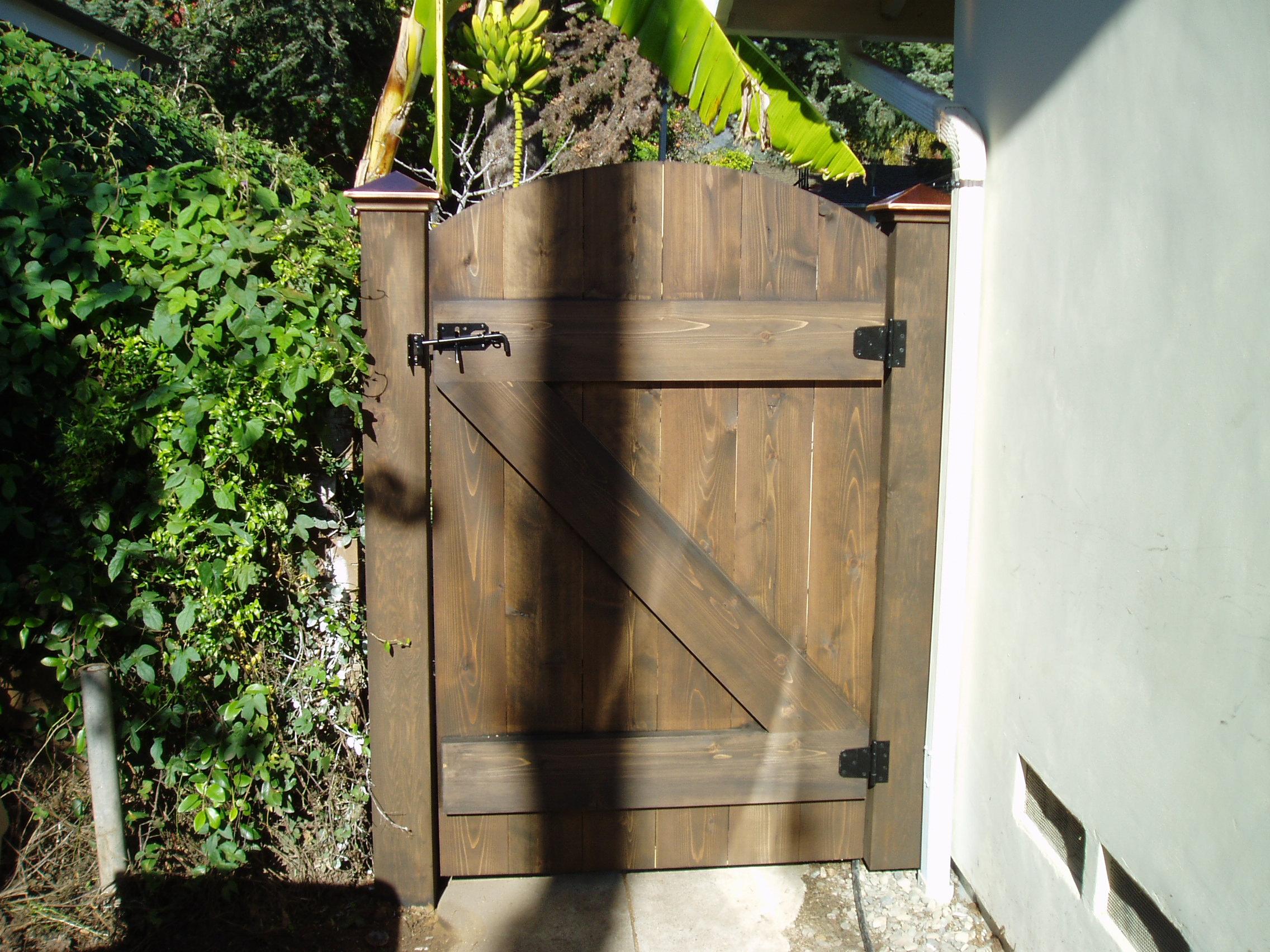 custome gate 1.JPG