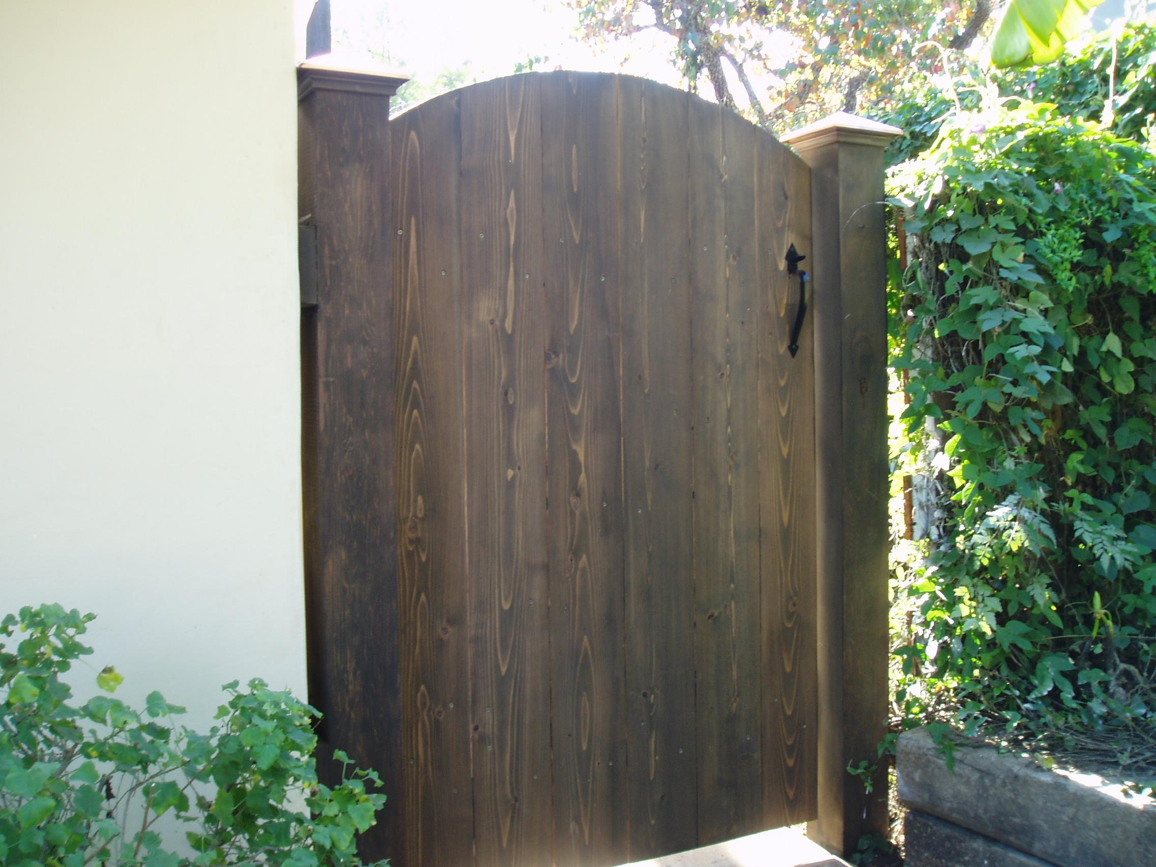 custome gate.JPG