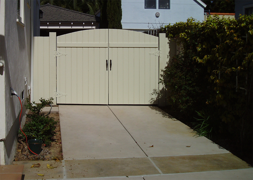 driveway gate-A.jpg