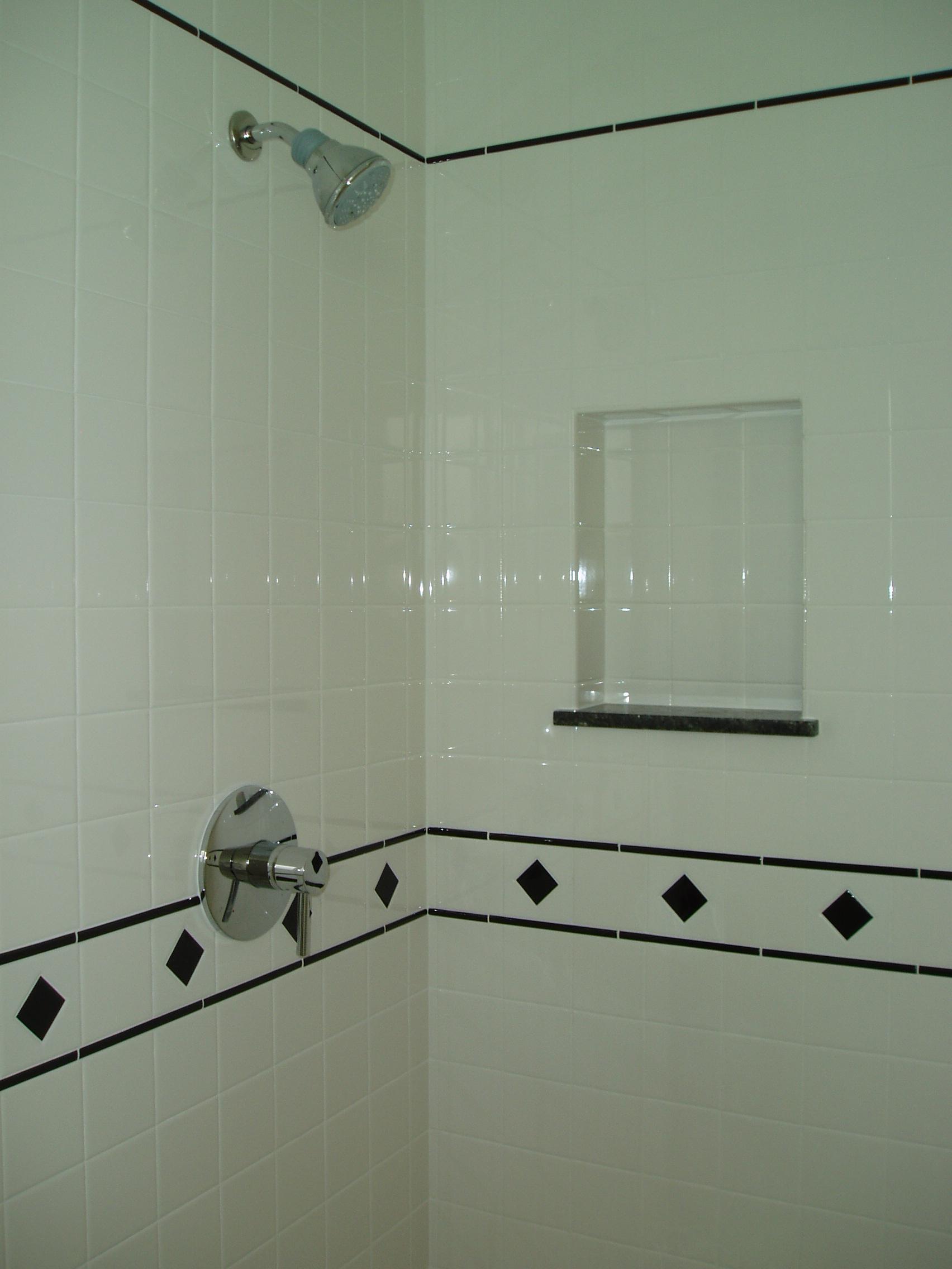 shower and niche.JPG