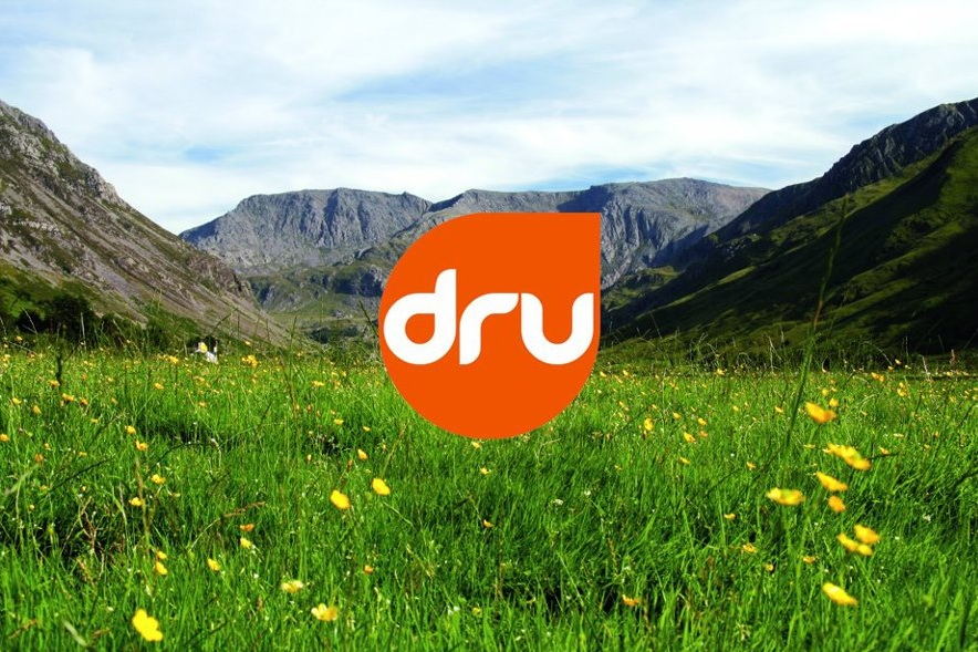Dru+logo+and+Wales+countryside.jpg
