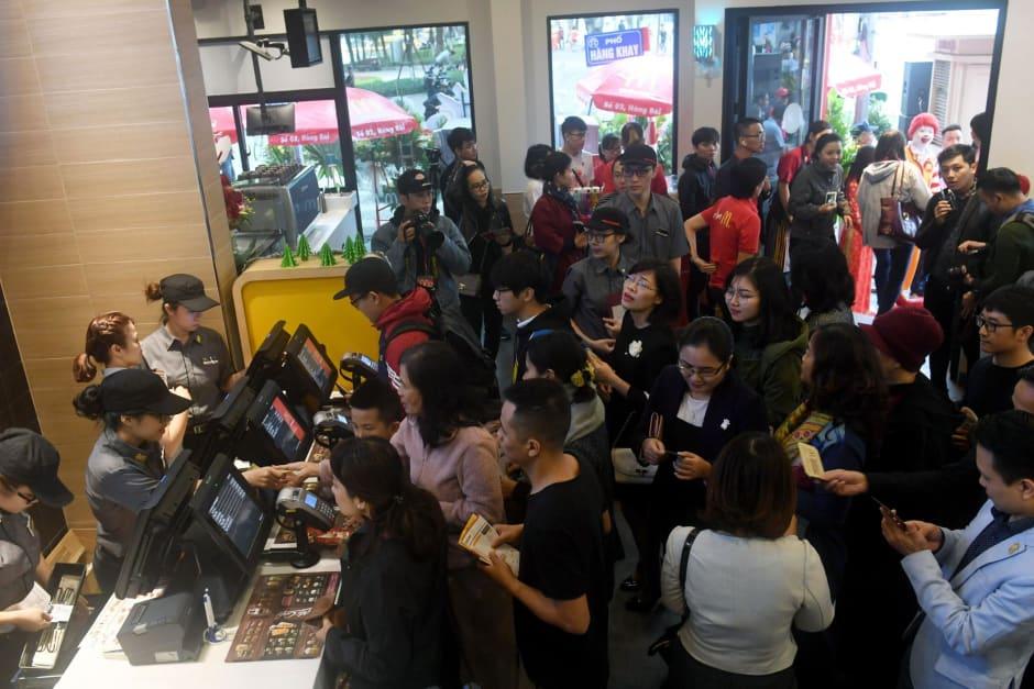 http_saf_app_line sitters_restaurants_mcdonalds.jpg