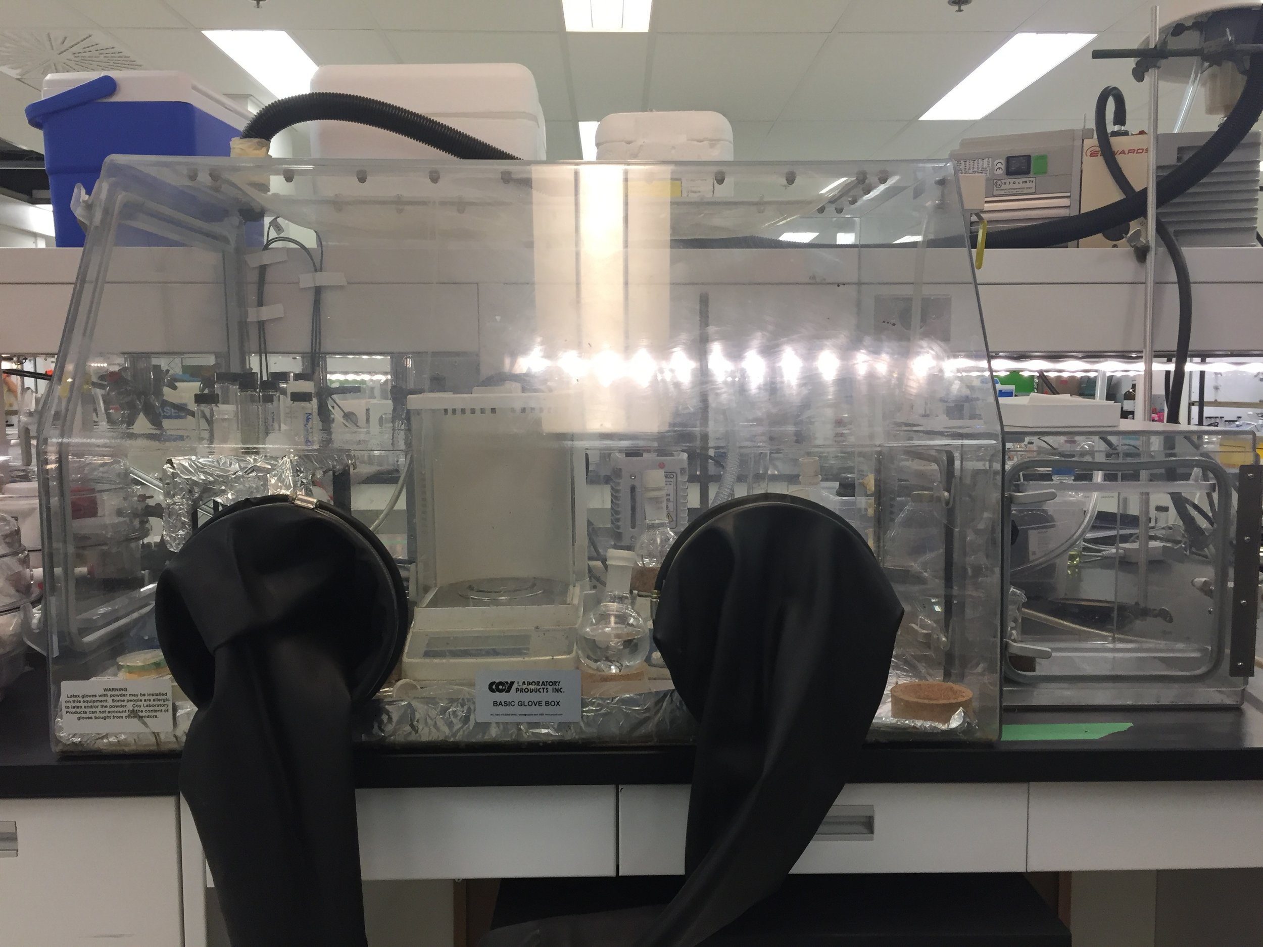 Coy Laboratory Products Inc. Basic Polymer & Aluminum Glove Box (NSERC funded)