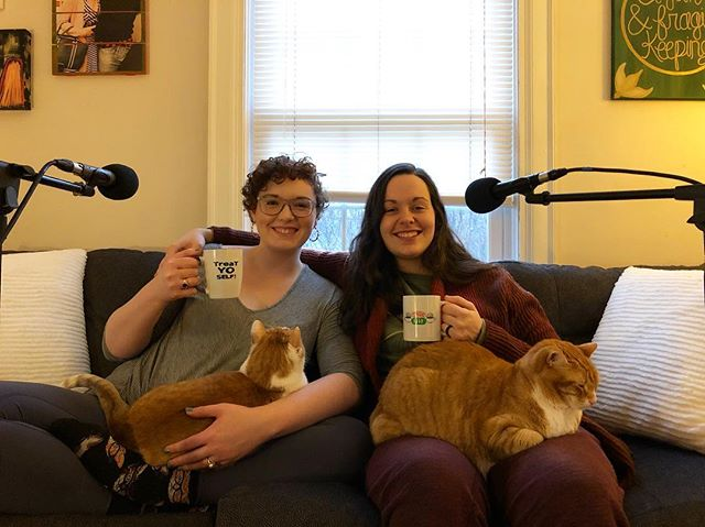 The only thing better than doing a podcast interview after a relaxing break is doing a podcast interview with CATS! I got the chance to talk to two of my favorite cat ladies today and I can't wait for everyone to hear it! . . . . . . . . . . . . . . . . . . . . . #whoknows #whoknowspodcast #podcast #podcaster #podcasting #womeninpodcasting #womensupportingwomen #podcastwebsite #mentalhealthawareness #mentalhealthpodcast #life #communication #community #thehumanexperience #christmas #hanukkah #kwanzaa #holidays #holidays2018 #whoknowsholiday #december2018 #joy #tistheseason #holidayfun #catsofinstagram #catladies #catladiesunite #cats #catmom