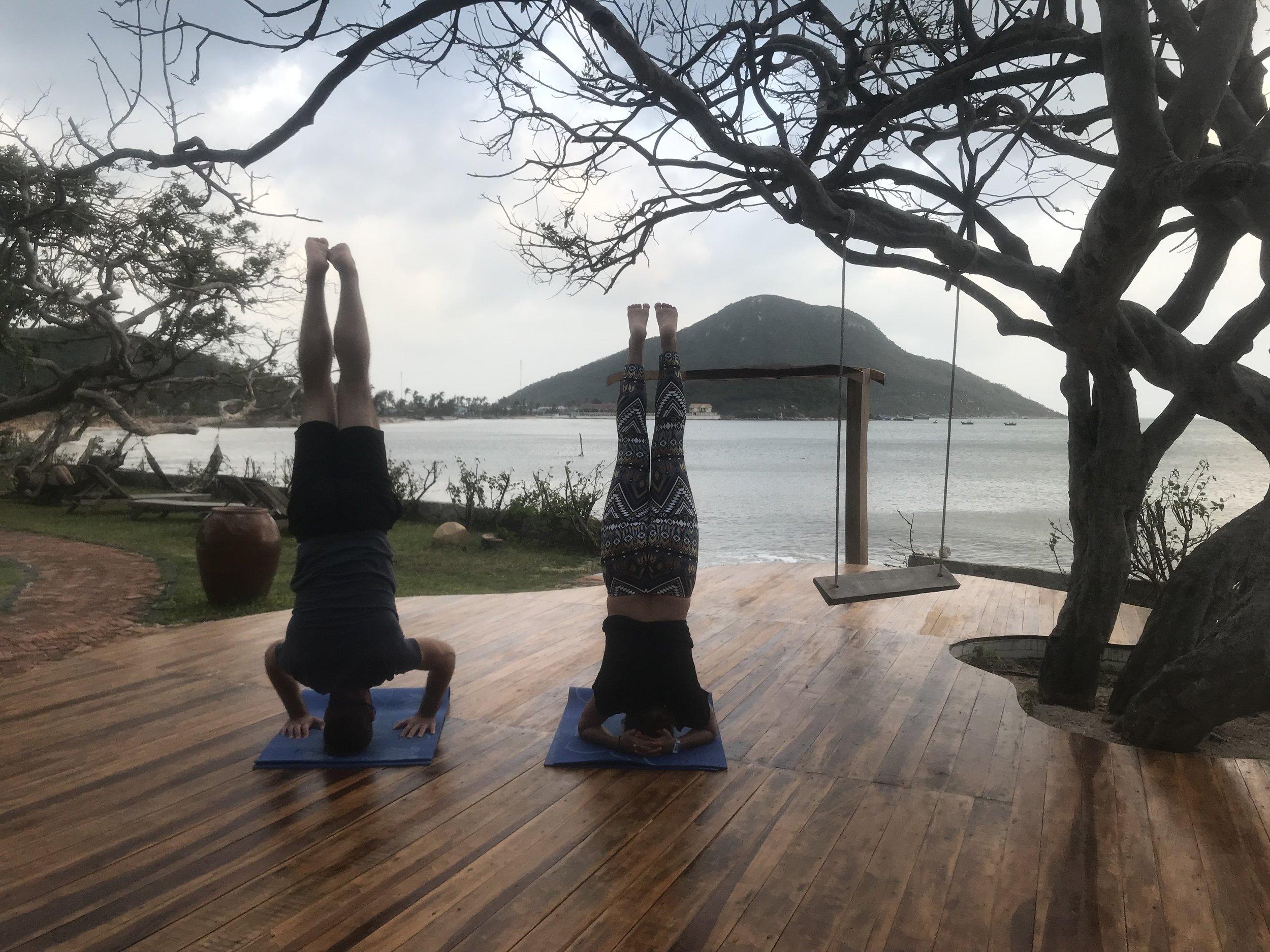 Headstand, Ninhvana, Vietnam