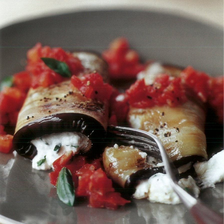 eggplant+rolls+with+savory+tomato+sauce+and+fresh+ricotta+cheese+copy.jpg