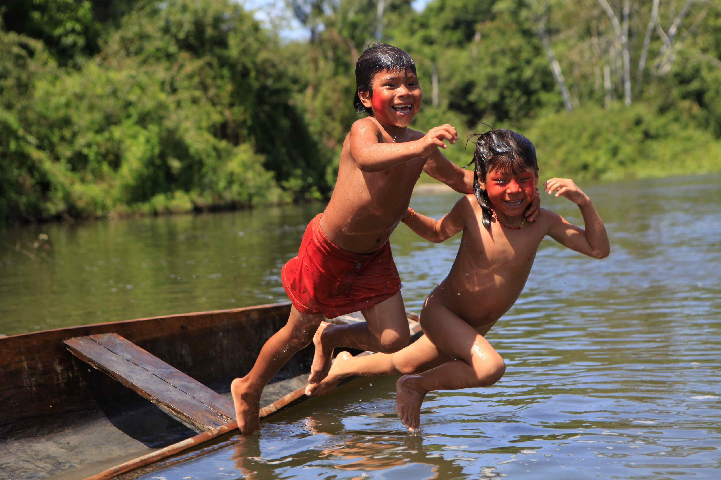 The Guardian - 'The river is life!' - a photographer among the Arawete in Brazil