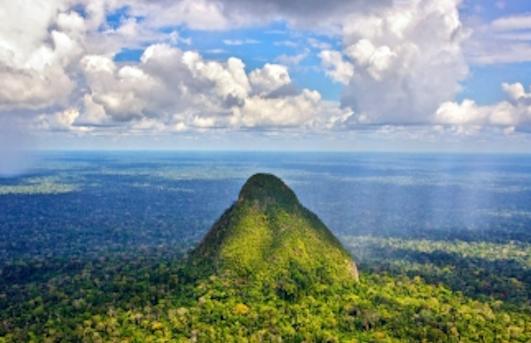 The Guardian - Peru stalling new national park for unique Amazon mountain range
