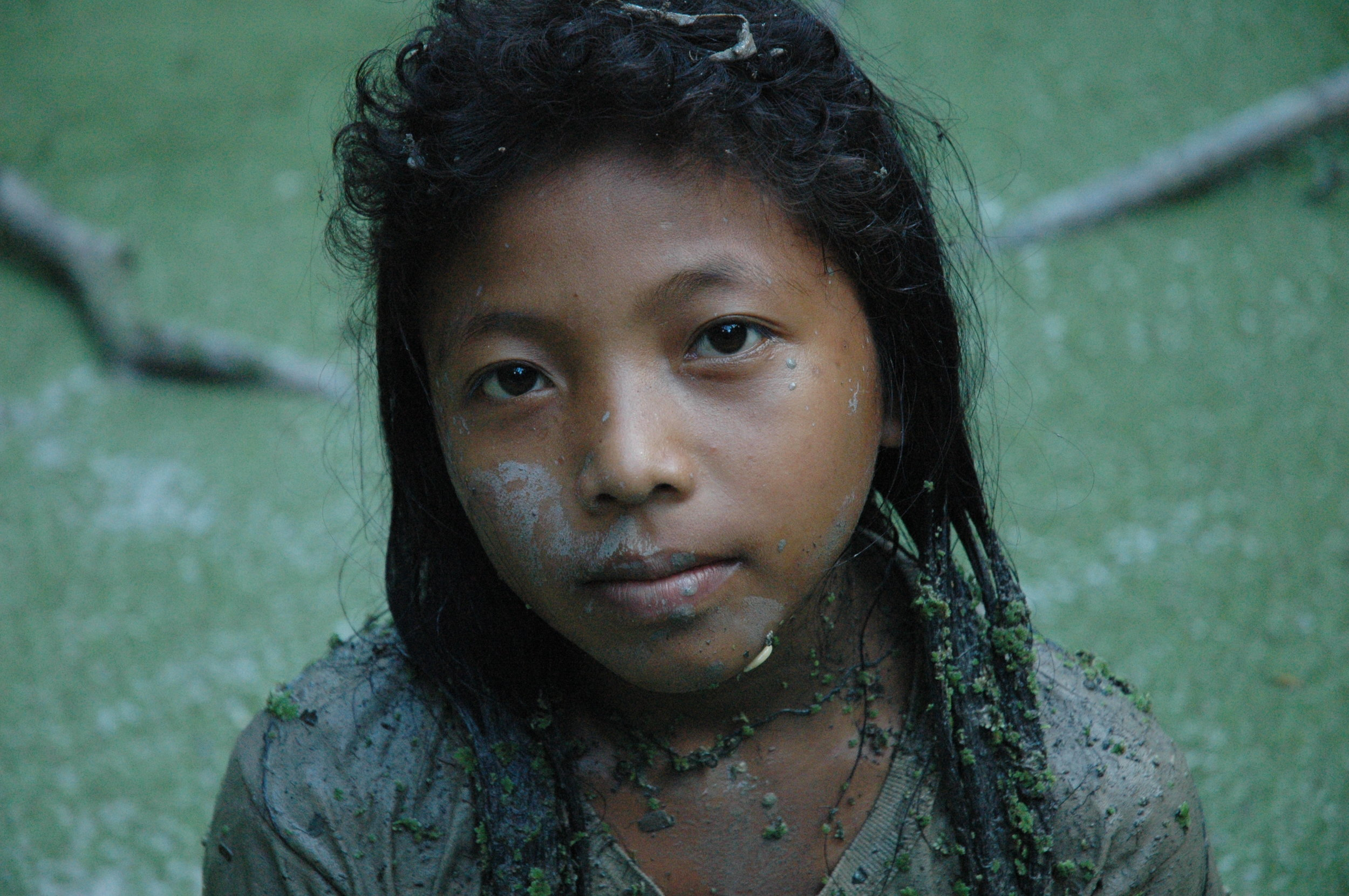 A Cashinahua girl on the River Curanja, Peru. Credit: David Hill/Survival