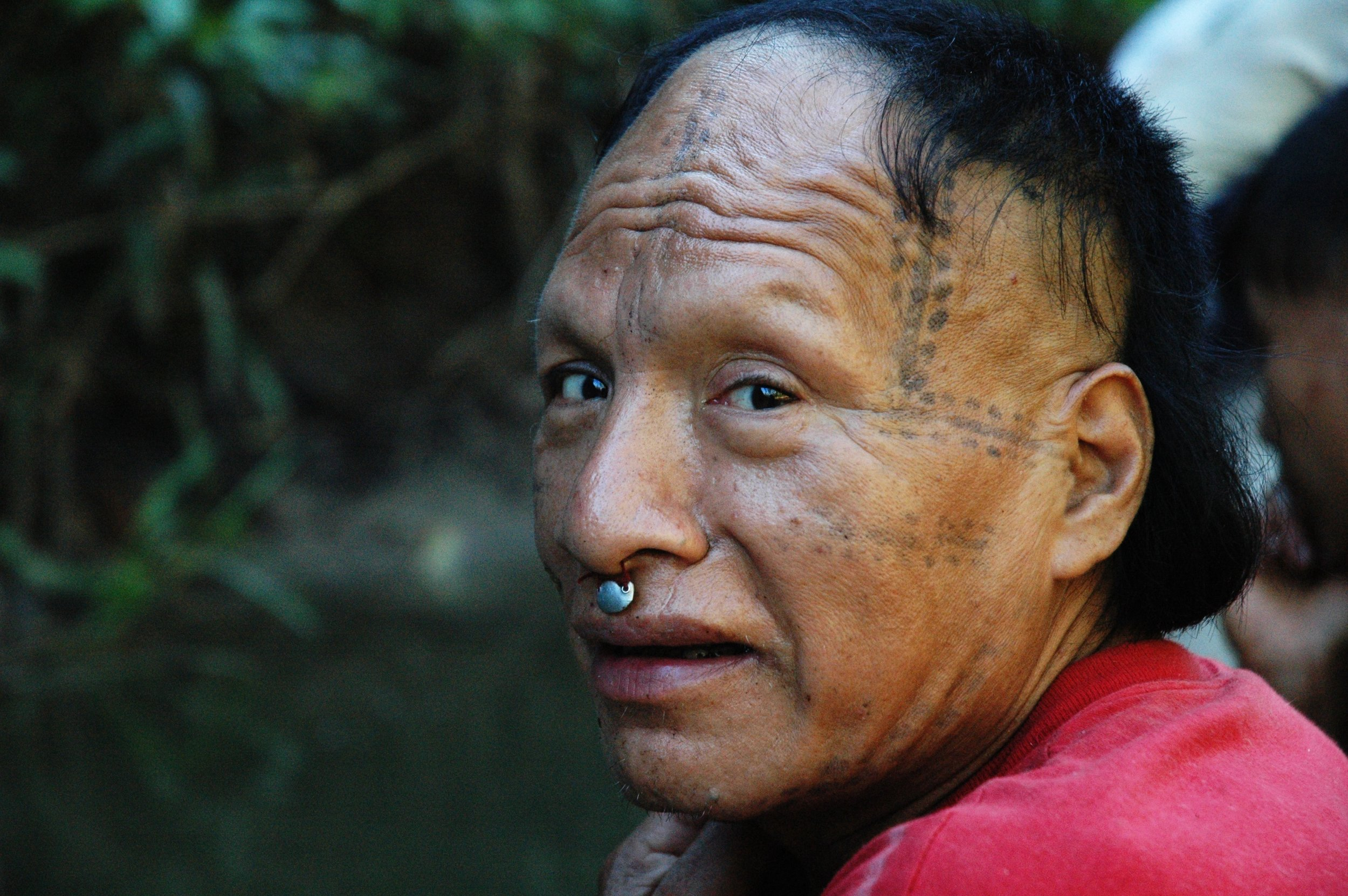 'Tomas' or 'Epa', a 'Mastanahua' man on the River Curanja, Peru. 'Epa' made contact with Christian missionaries from the US in the early 2000s. Credit: David Hill/Survival
