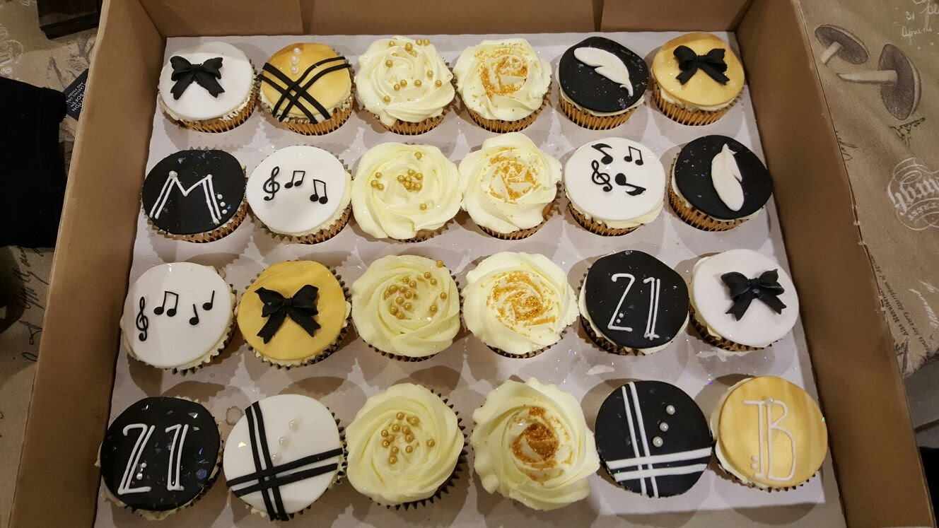 1920s themed cupcakes - A fun selection of 1920s themed cupcakes for a 21st birthday.