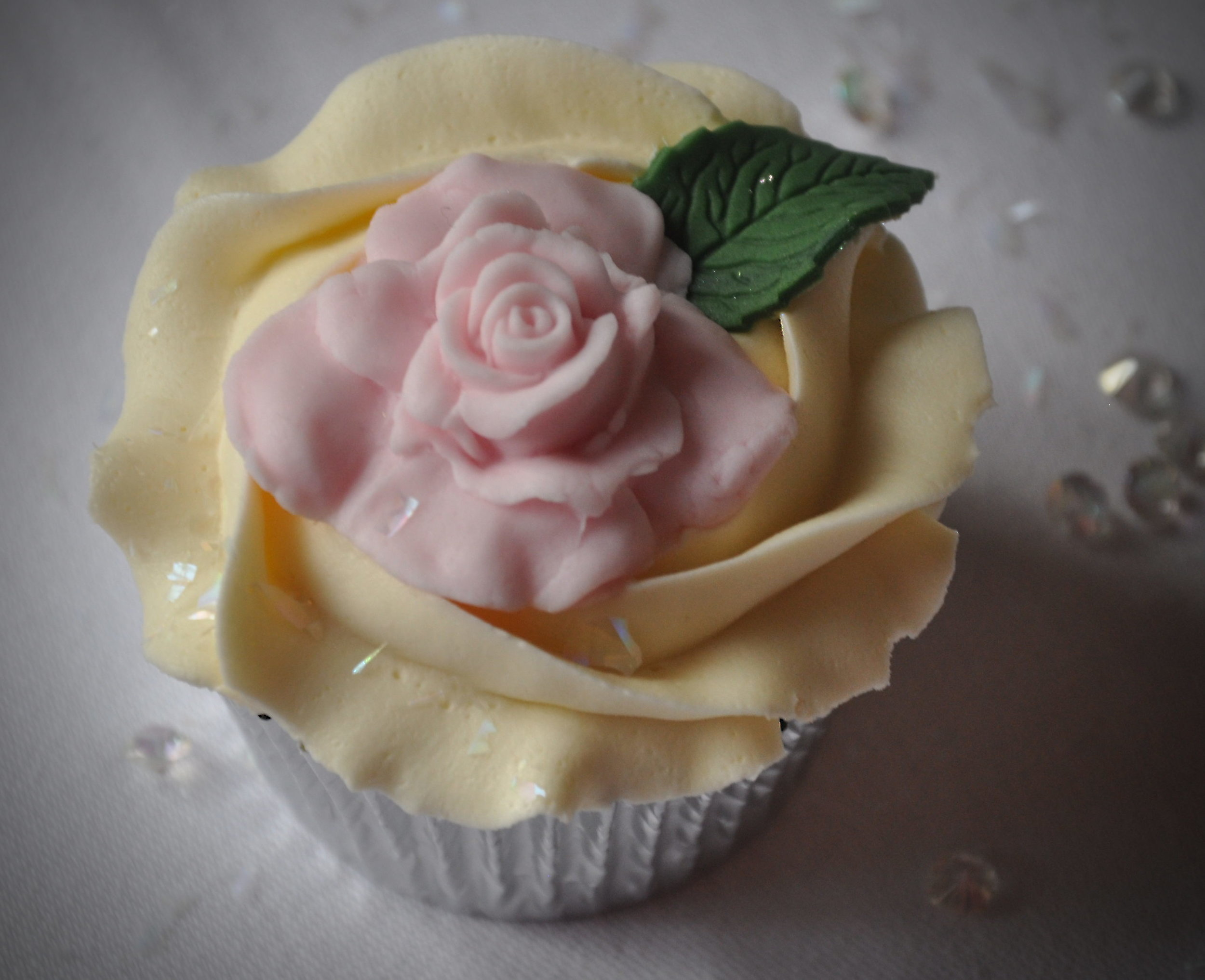 2014-02-08 Fairytale Castle Wedding Cupcakes 32_v1.JPG