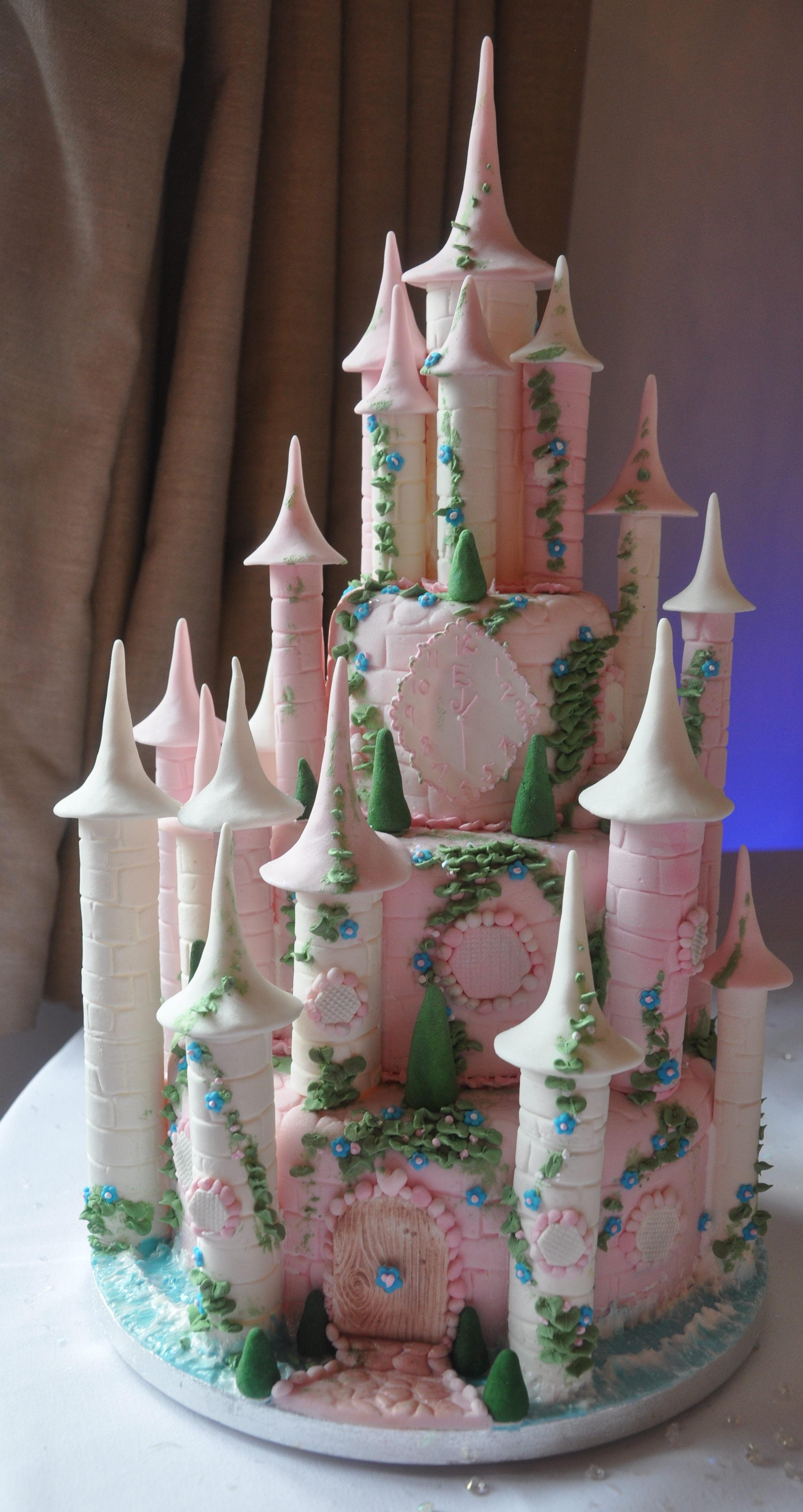 2014-02-08 Fairytale Castle Wedding Cupcakes 34_v1.JPG