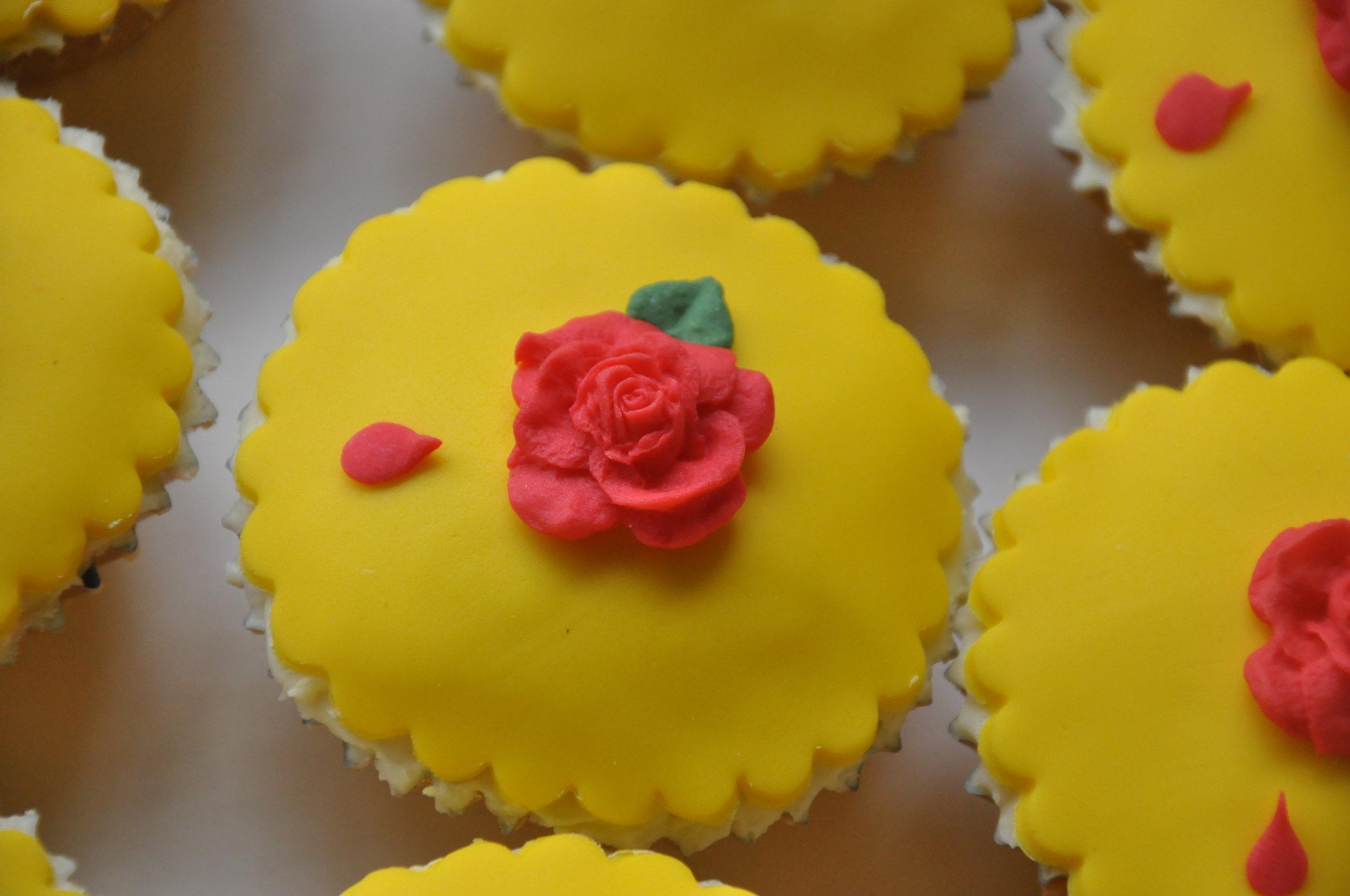 2014-03-23 Belle Birthday Cake 18.JPG
