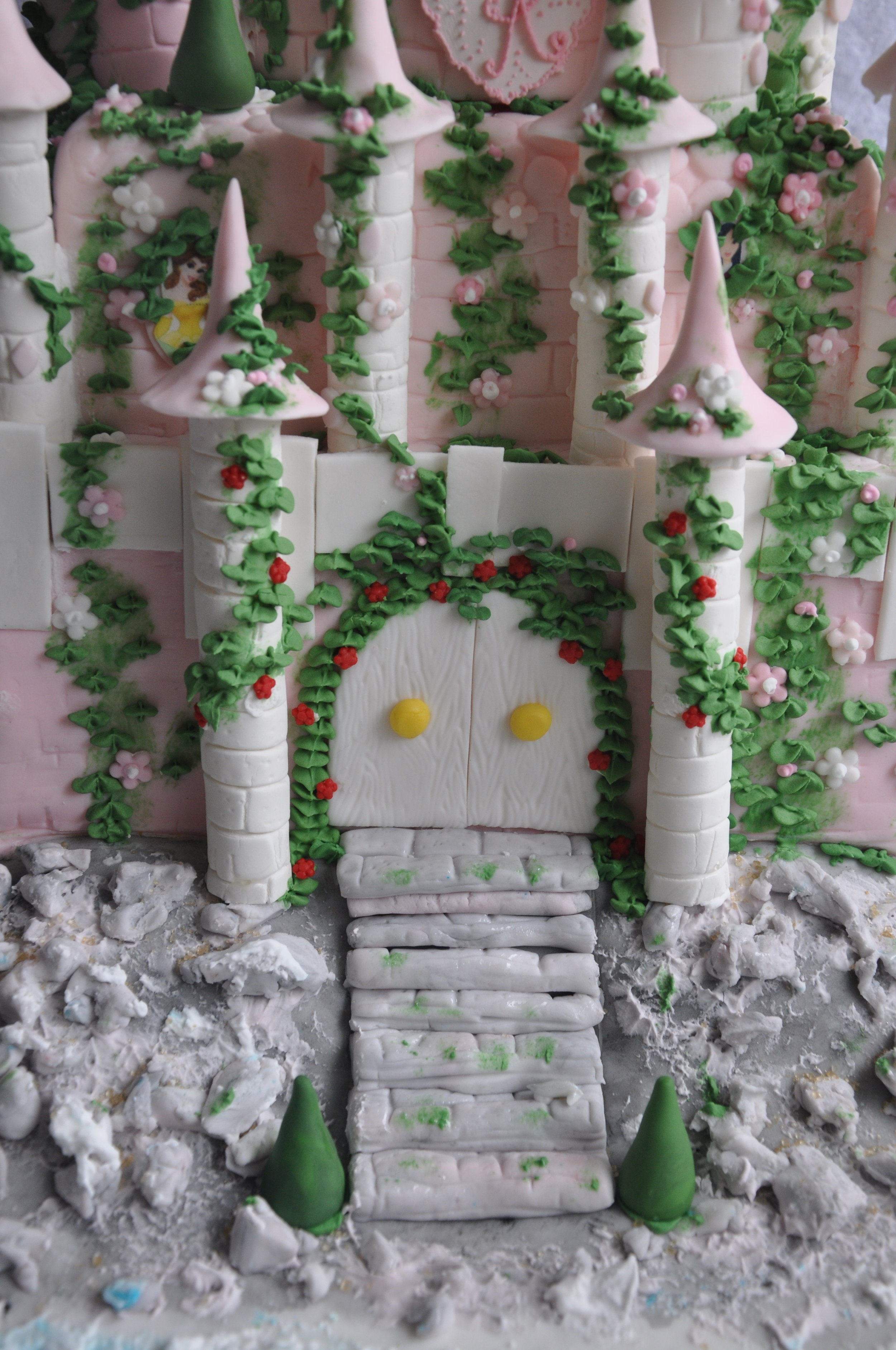 2012-06-30 Disney Princess Castle Cake 14.JPG