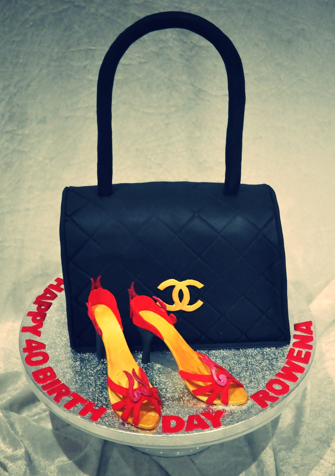 Stiletto shoe handbag - What girl about town wouldn't love this classy handbag and stiletto cake for her birthday.