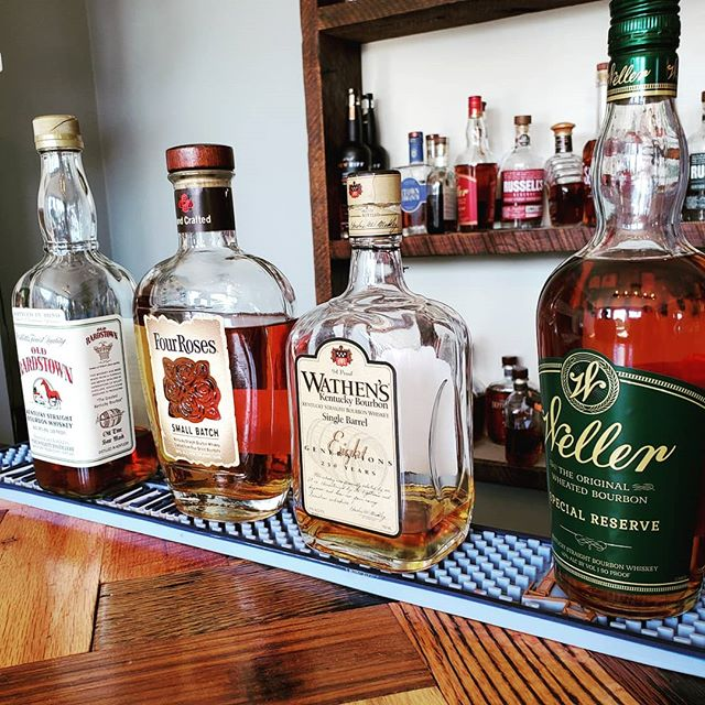 Our guests love visiting Justin's House of Bourbon to finish off a bourbon tour day in style! Stop by for a tasting and pick up a special bottle for the #derby ! . 📸 @houseofbourbonky .  #bourbon #bourboncountry #bourbontasting #whiskey #whiskeygram #whisky #bachelorparty #tourism #tour #kentuckyproud #kentucky #derbyday