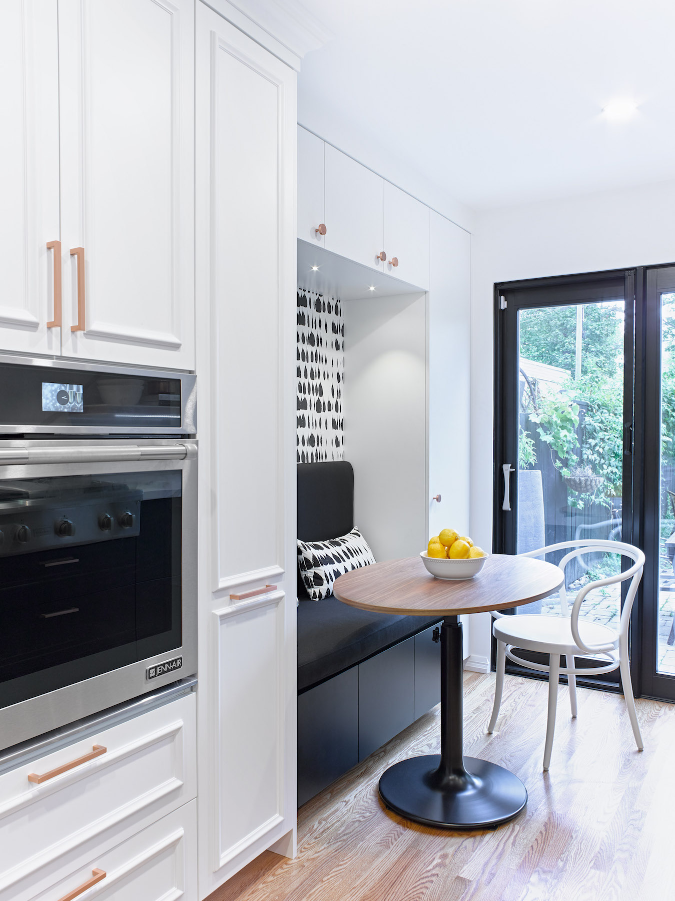 White Profile Cabinet with Wall Oven